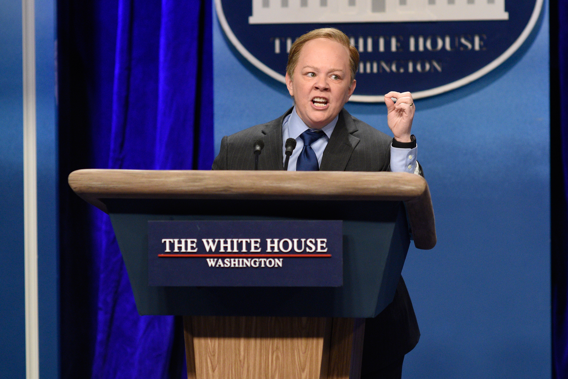 Melissa McCarthy Just Rolled Down an N.Y.C. Street on Sean Spicer's Lectern