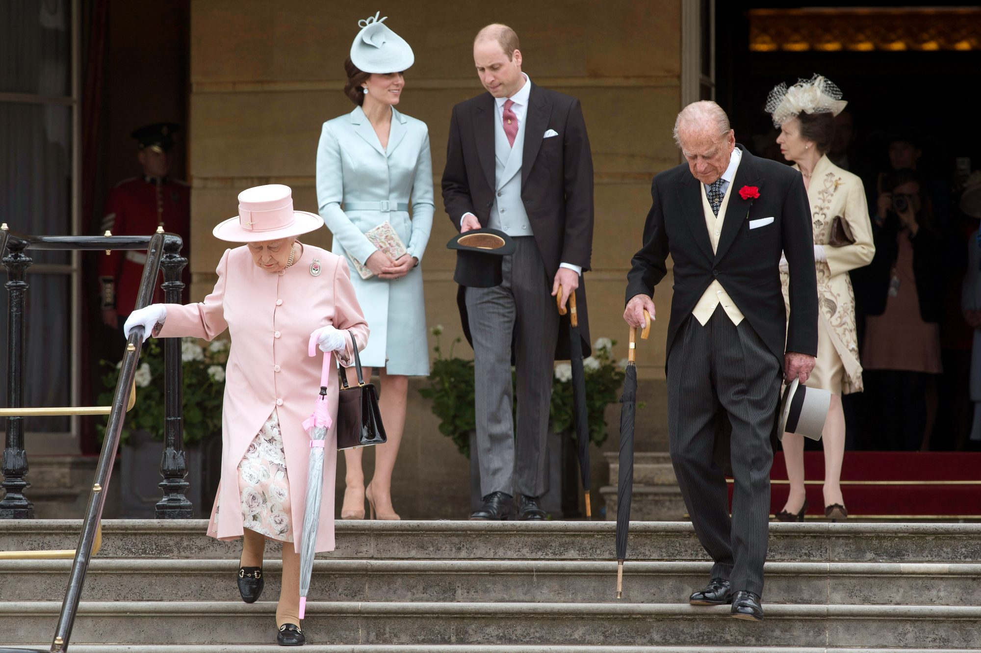 Garden Party - Queen Will Kate - Embed