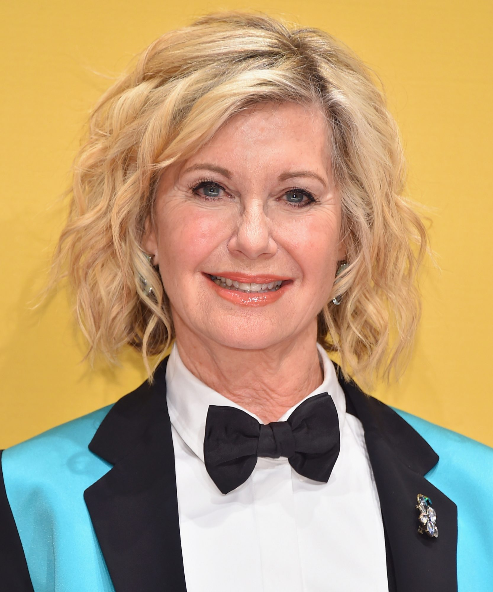 Olivia Newton-John Postpones Tour Due to Breast Cancer Diagnosis