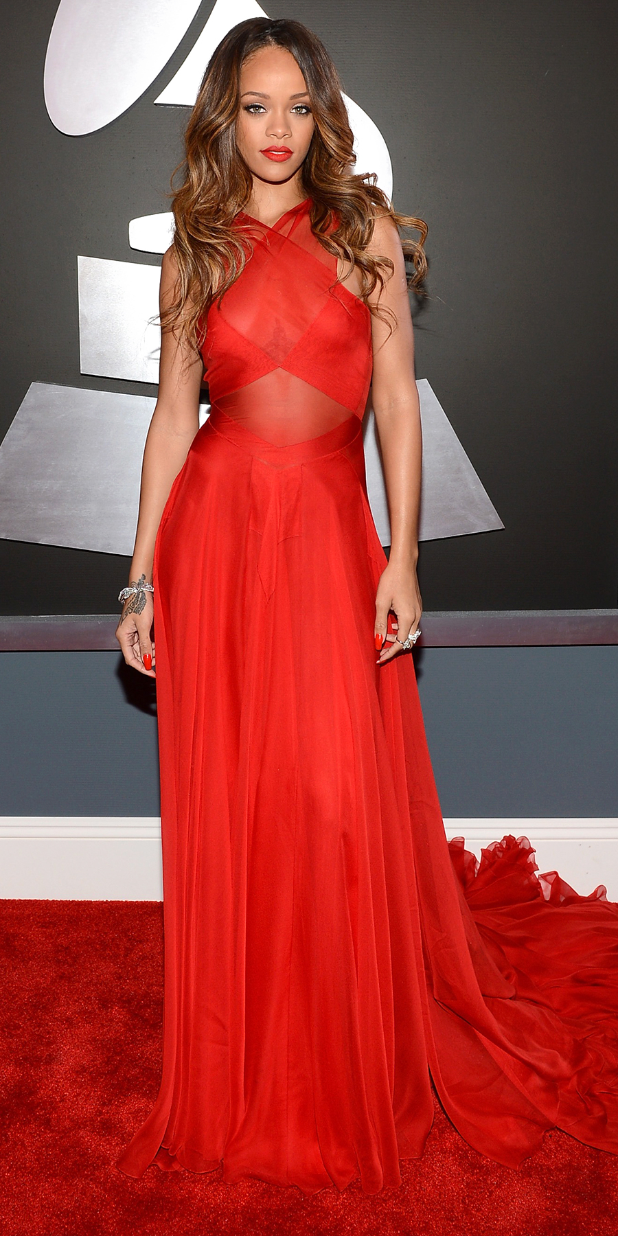 In AZZEDINE ALAÏA at the Grammy Awards in L.A. (2013)