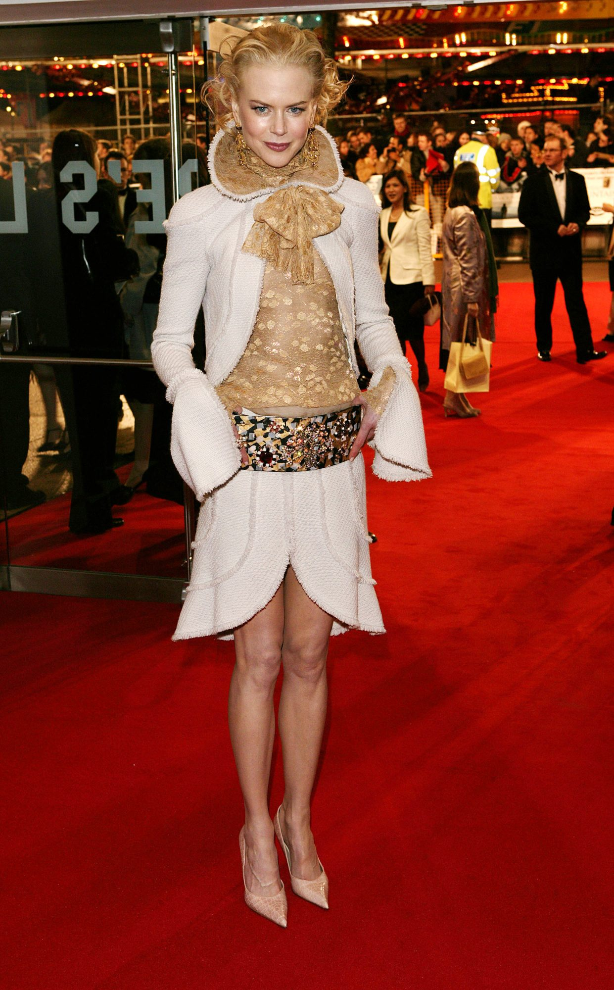 <p>Nicole Kidman at theUK Royal Charity Premiere of <em>Cold Mountain</em></p>