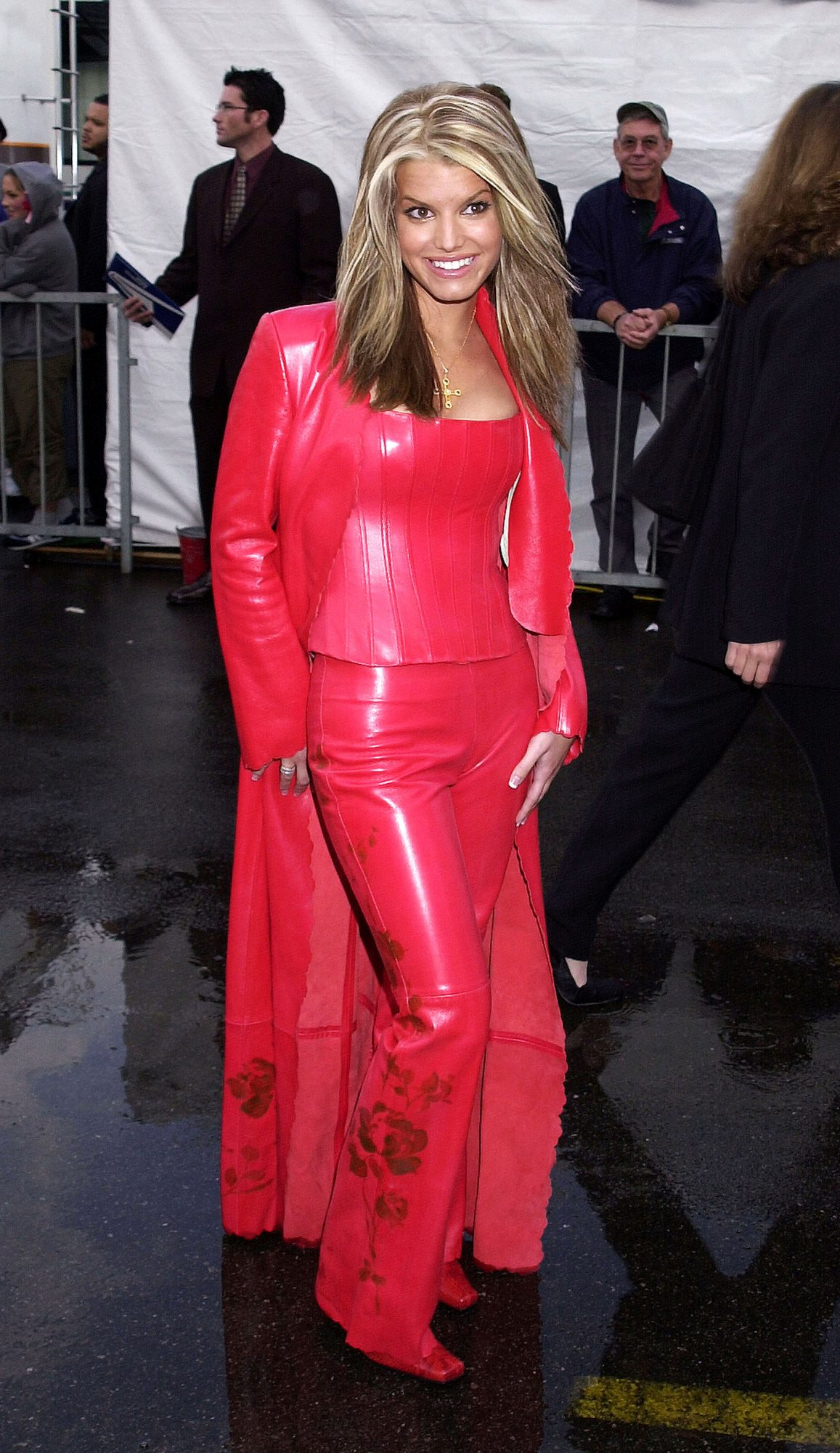 <p>Jessica Simpson at the American Music Awards in 2001</p>