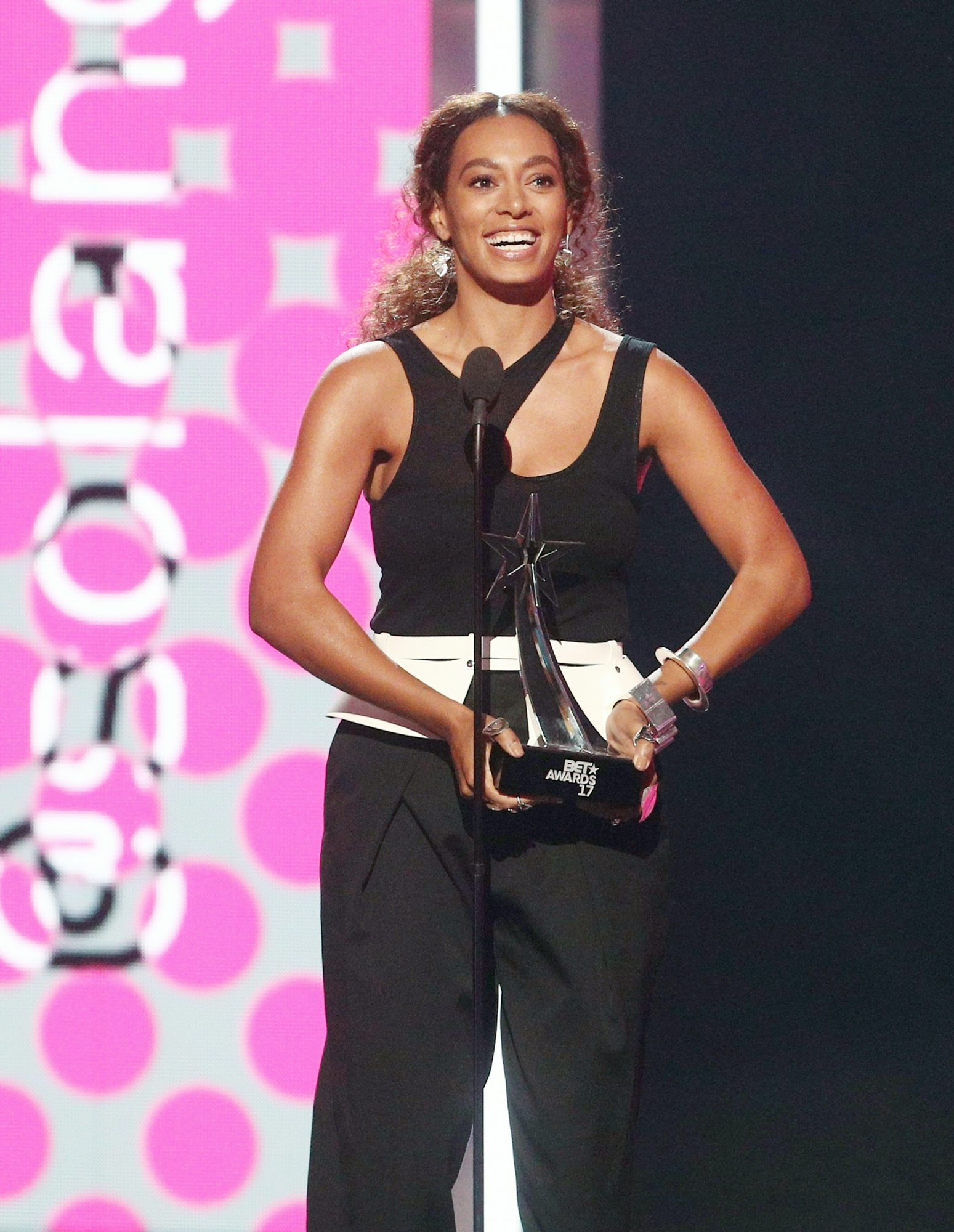 Solange Knowles Shouts Out Female Artists After Win at the BET Awards