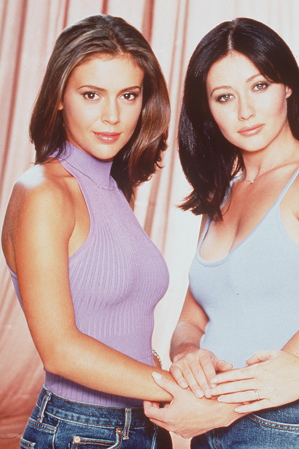 "Alyssa Milano Prayed for Shannen Doherty ""Daily"" as She Battled Cancer"
