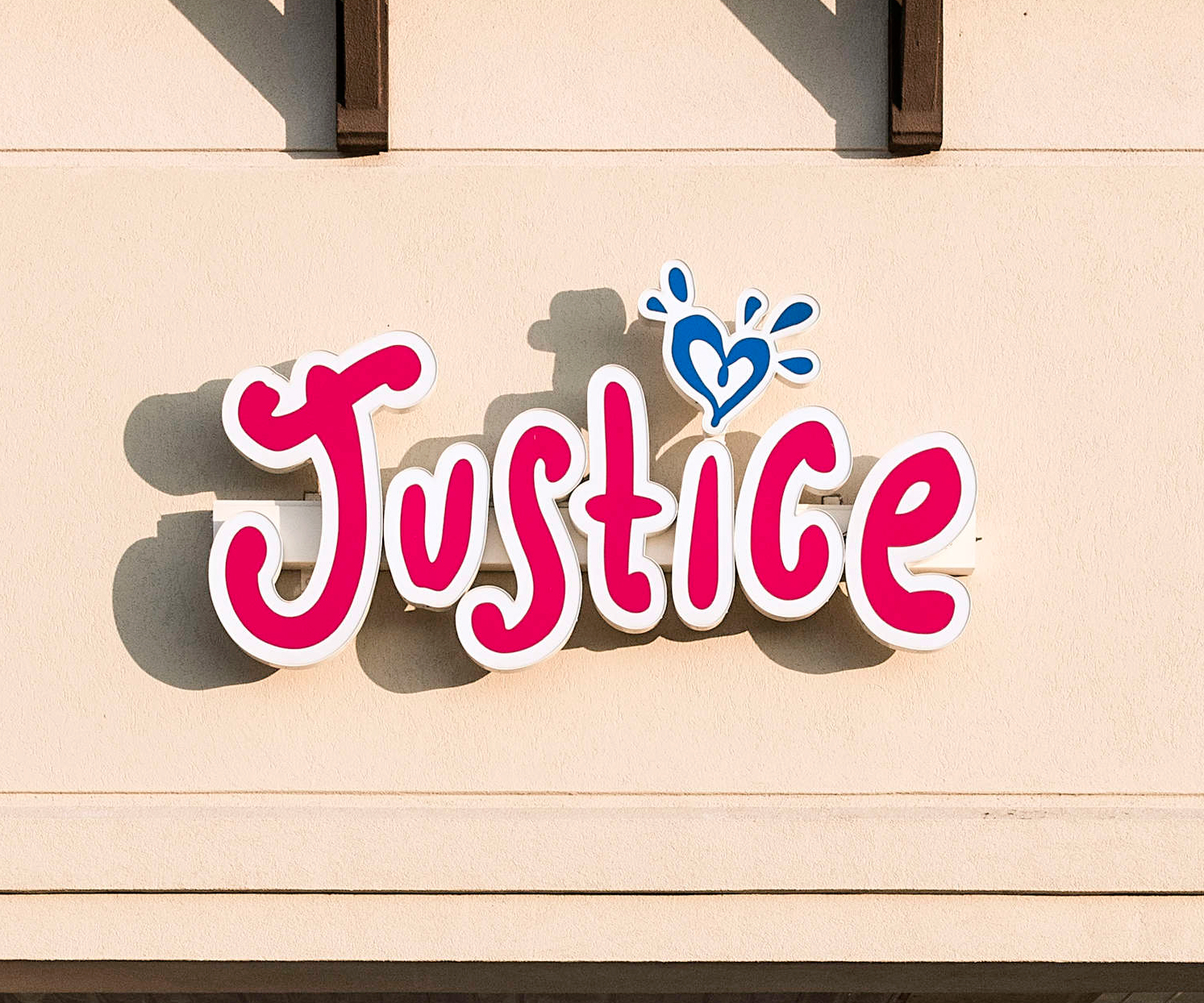 Asbestos Has Been Discovered in This Makeup Product at Tween Retailer Justice