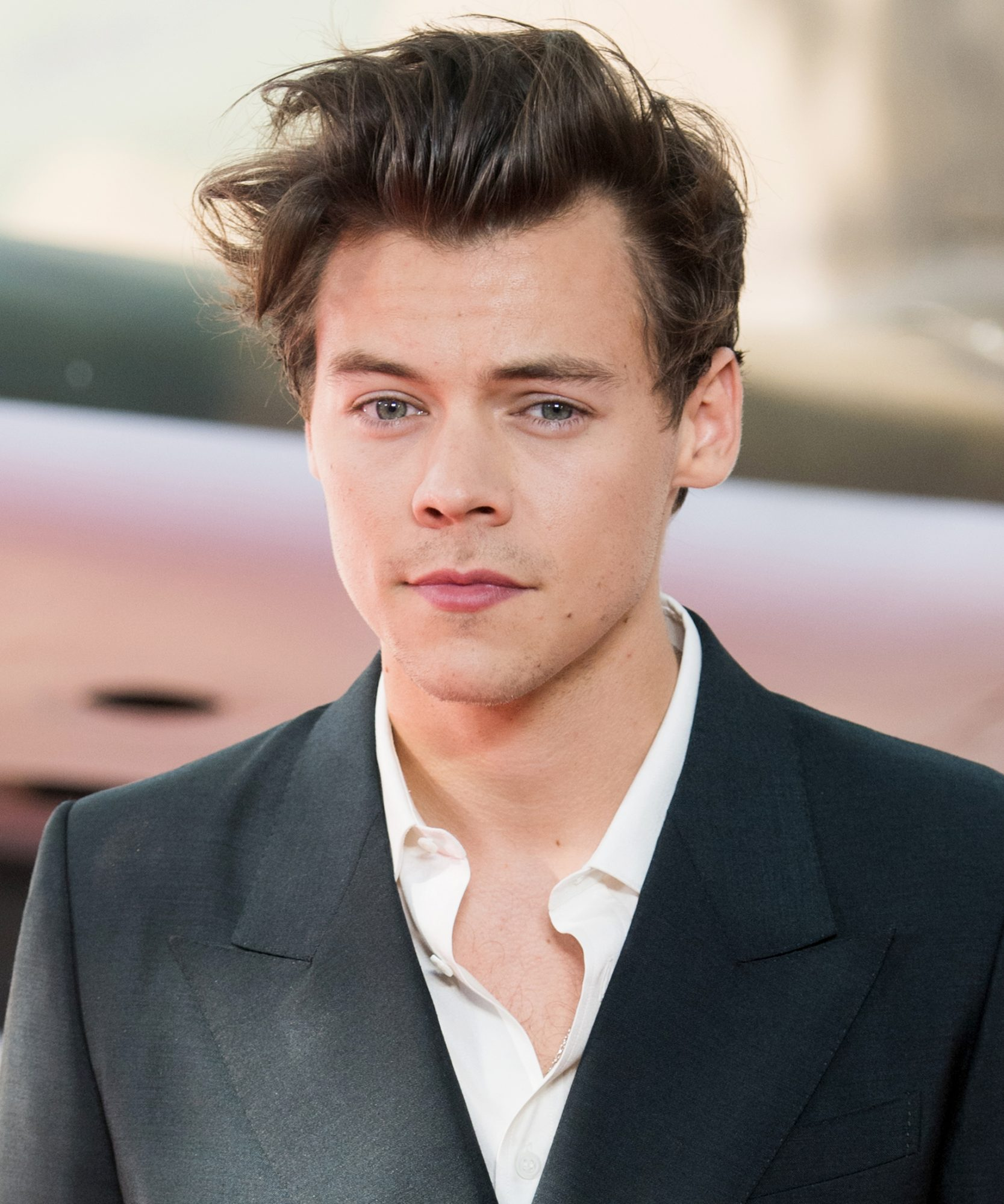 Harry Styles Reveals the Secret to Good Hair in Hilarious<em> Chelsea</em> Interview
