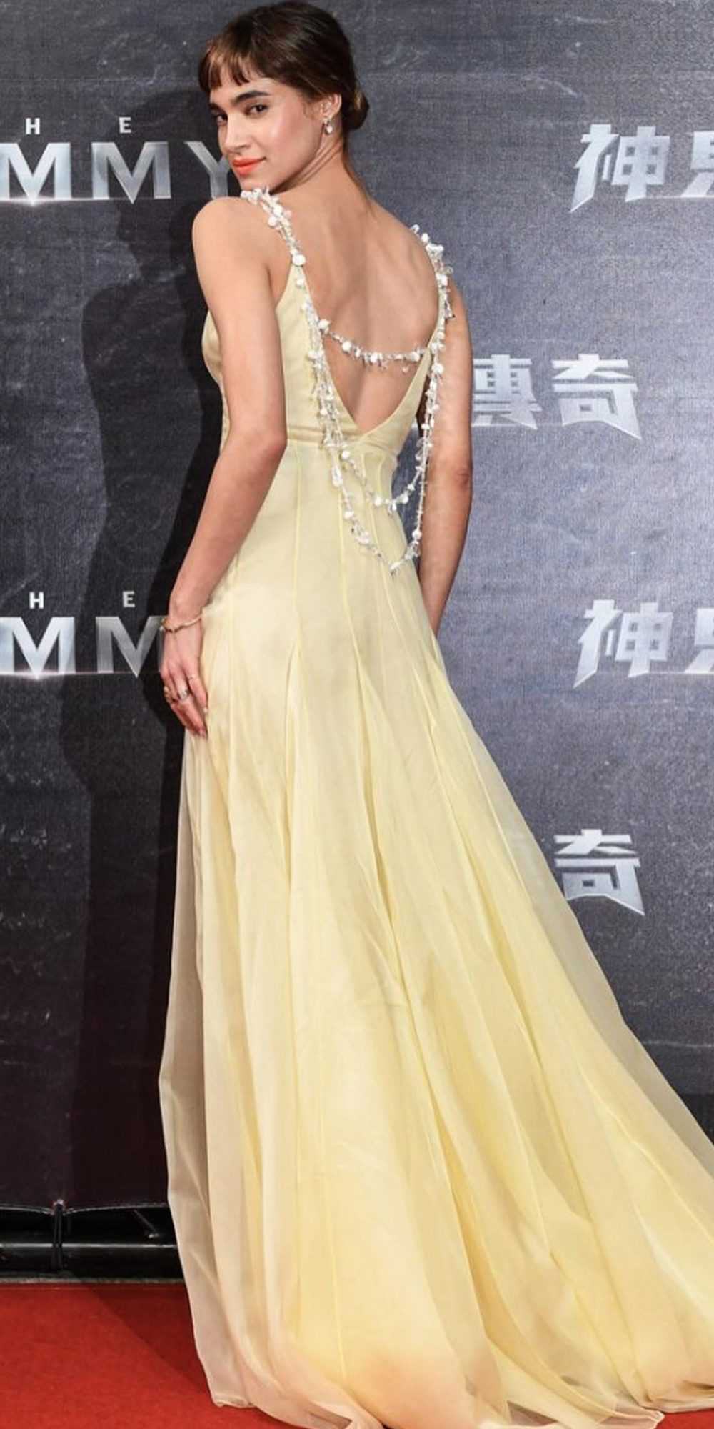 <p><strong>In Prada at the Taipei Premiere of<em>The Mummy</em></strong></p>