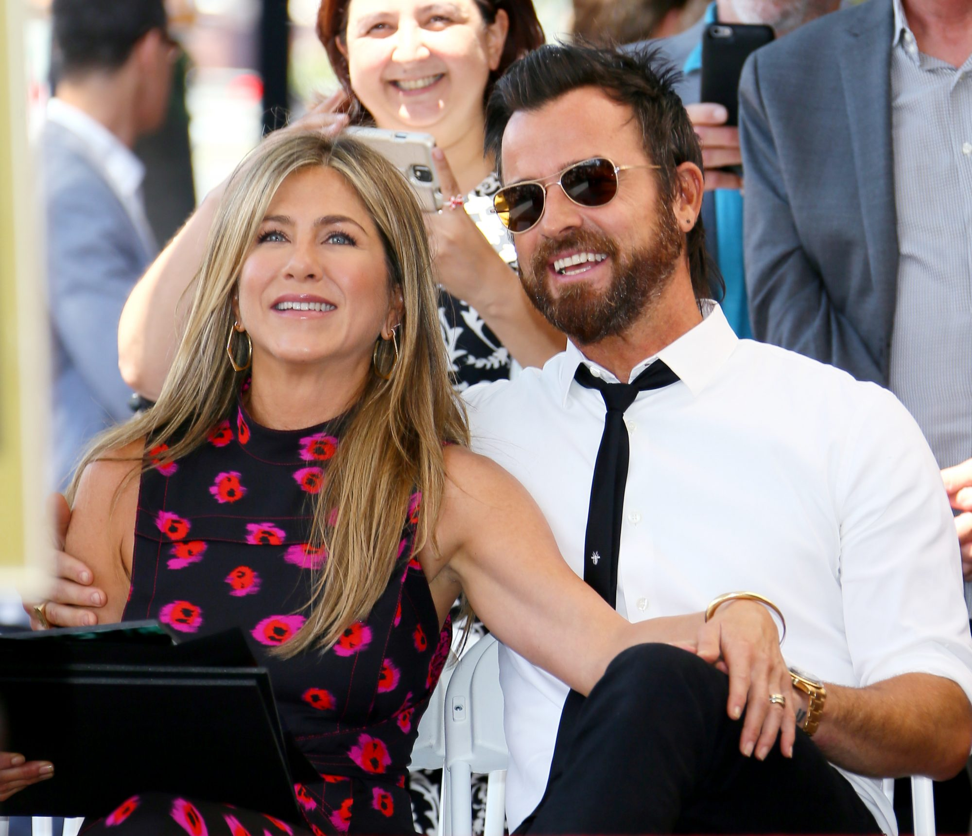 <p>Jennifer Aniston - Theroux</p>