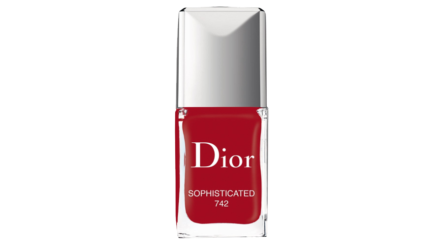 <p>Dior Vernis Couture Colour </p>