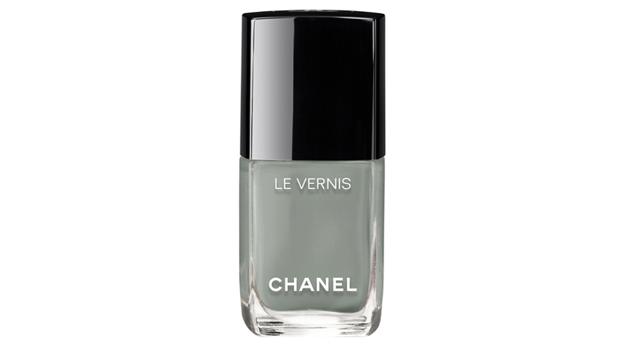 <p>Chanel Le Vernis Nail Colour in Horizon Line </p>