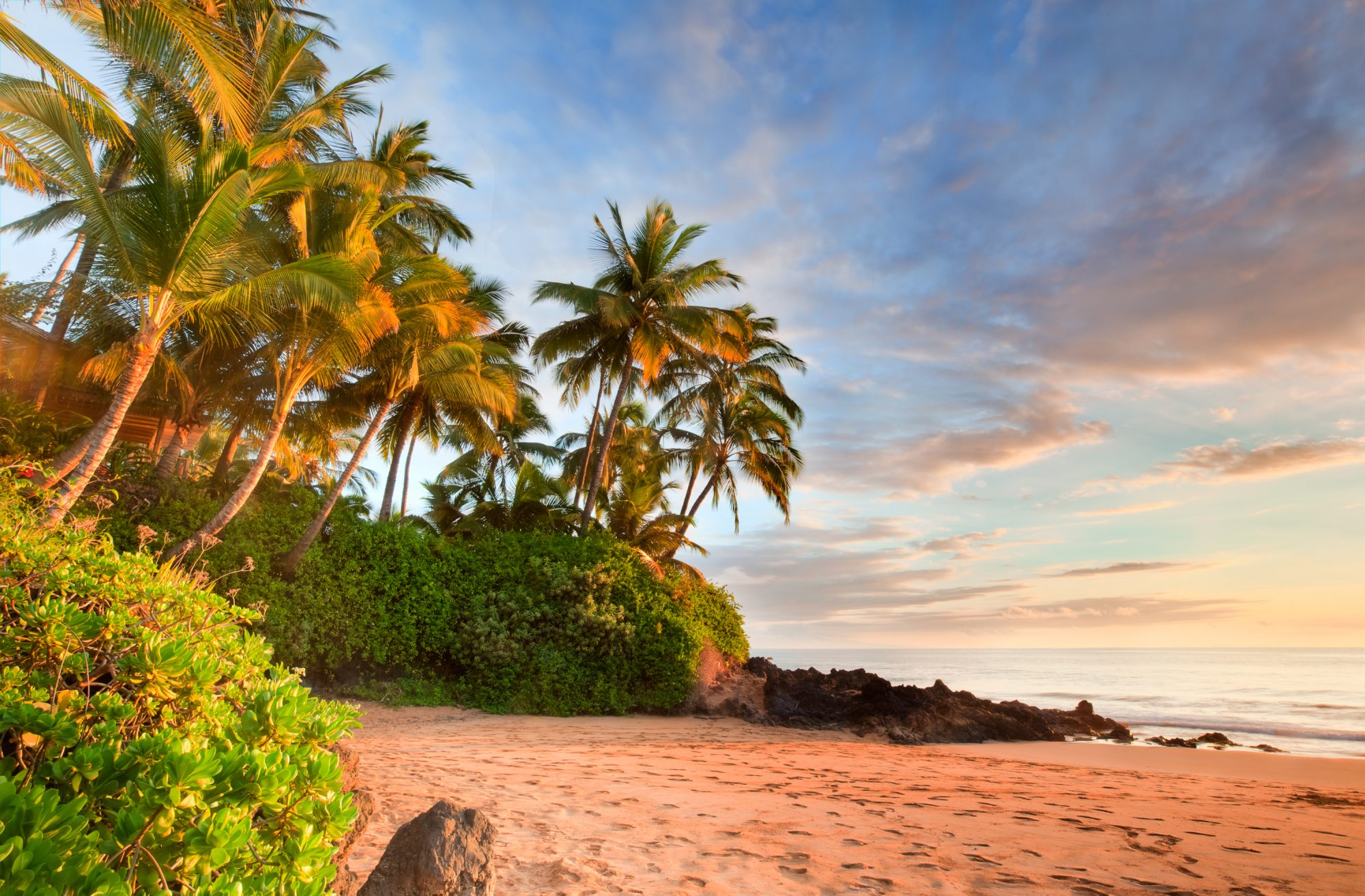 Grab Your Girls: Now You Can Fly to Hawaii for $344 Round-Trip