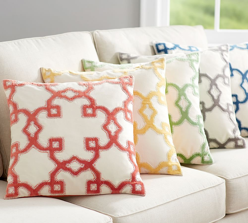 TRELLIS VELVET APPLIQUÉ PILLOW COVER