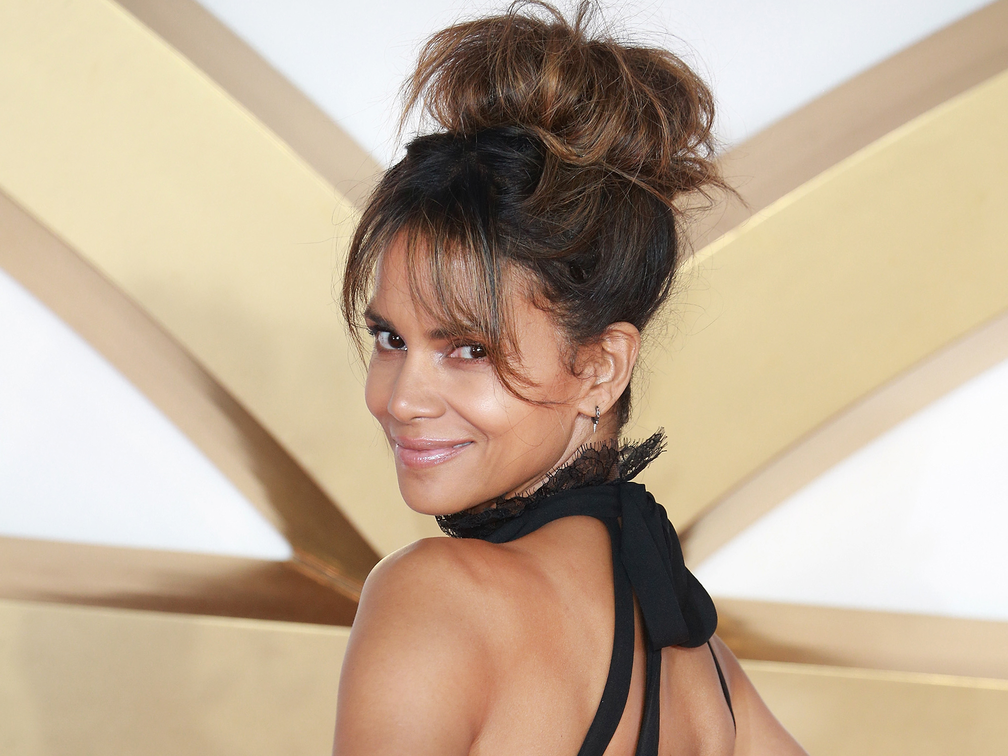 Halle Berry confirms relationship with Alex Da Kid on Instagram