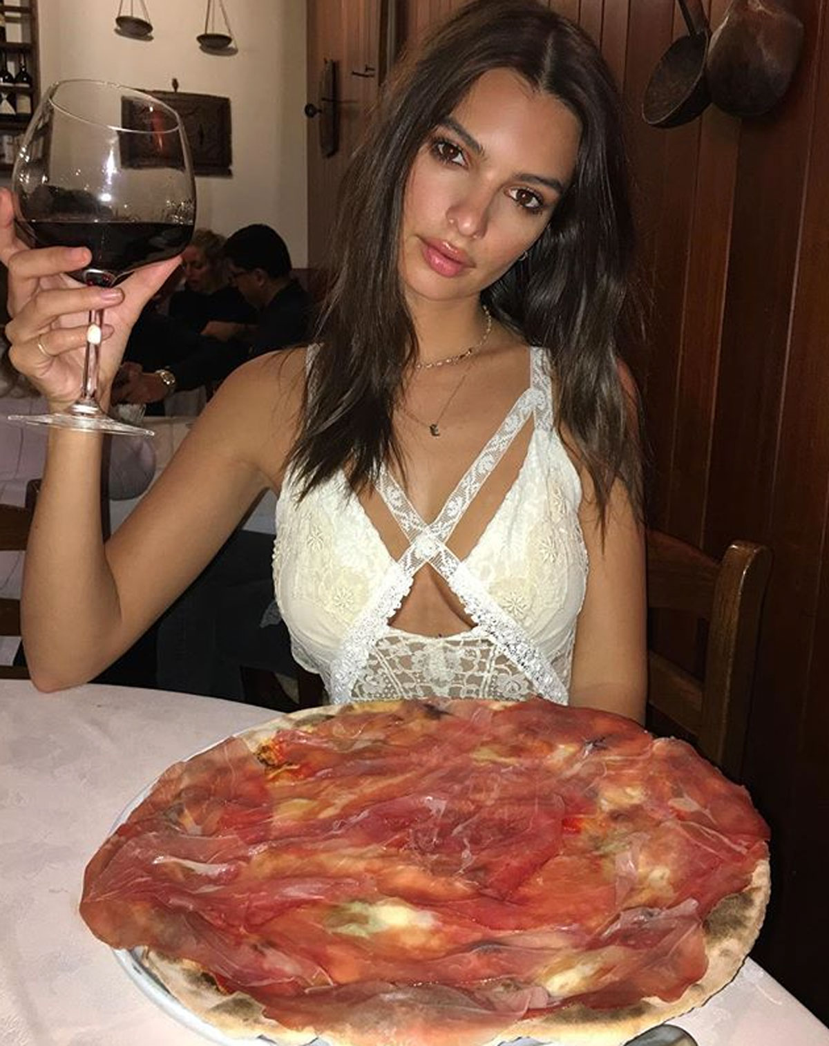 Image result for emily ratajkowski pizza