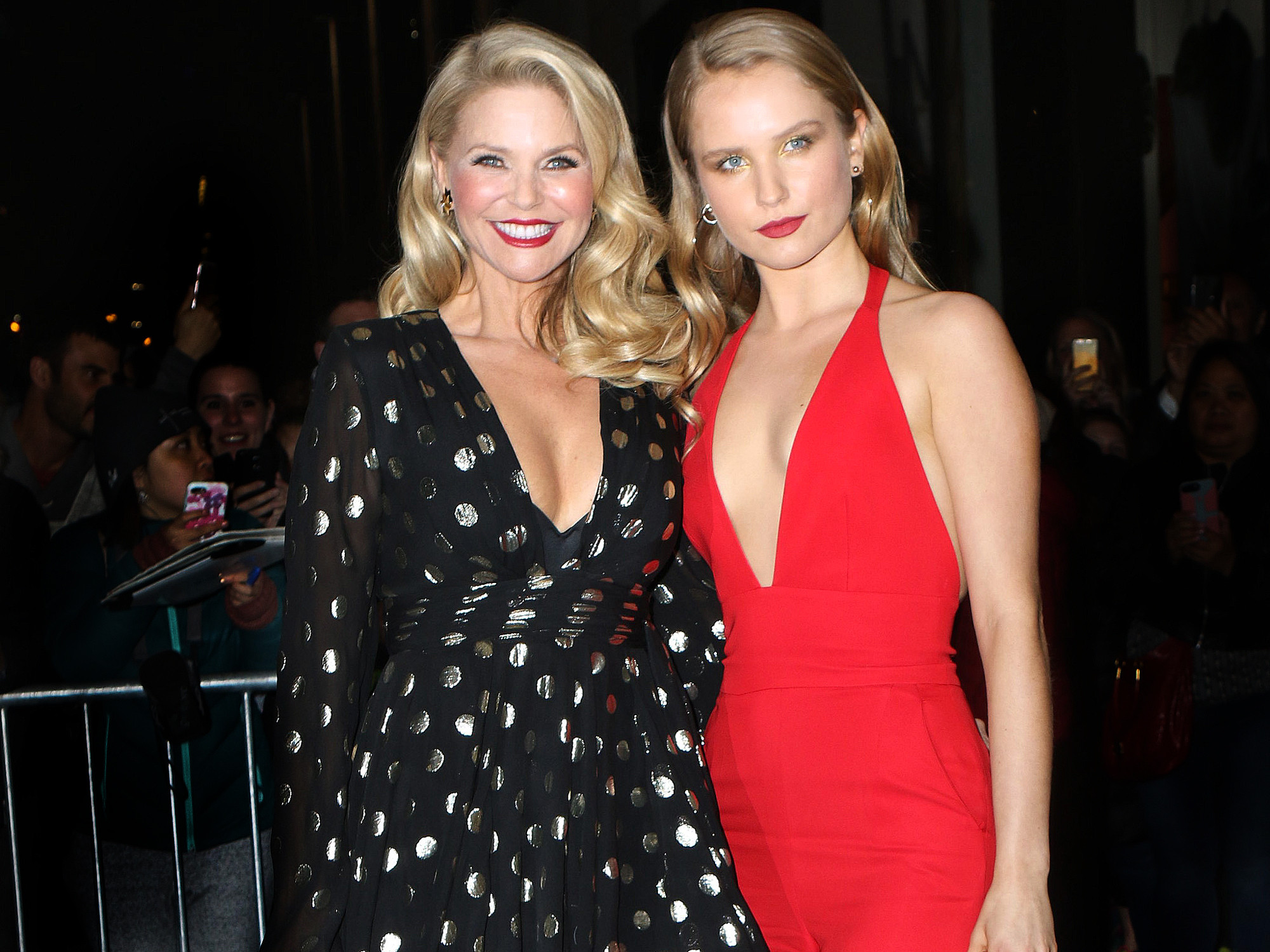 Watch Christie Brinkley Tell Her Daughter She's Officially an <em>SI</em> Swimsuit Model