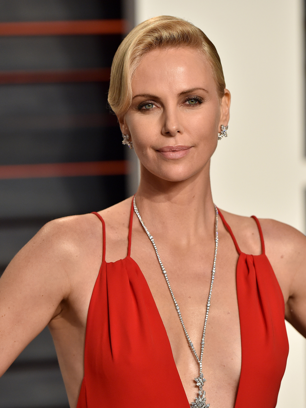 <p><strong>Charlize Theron</strong></p>