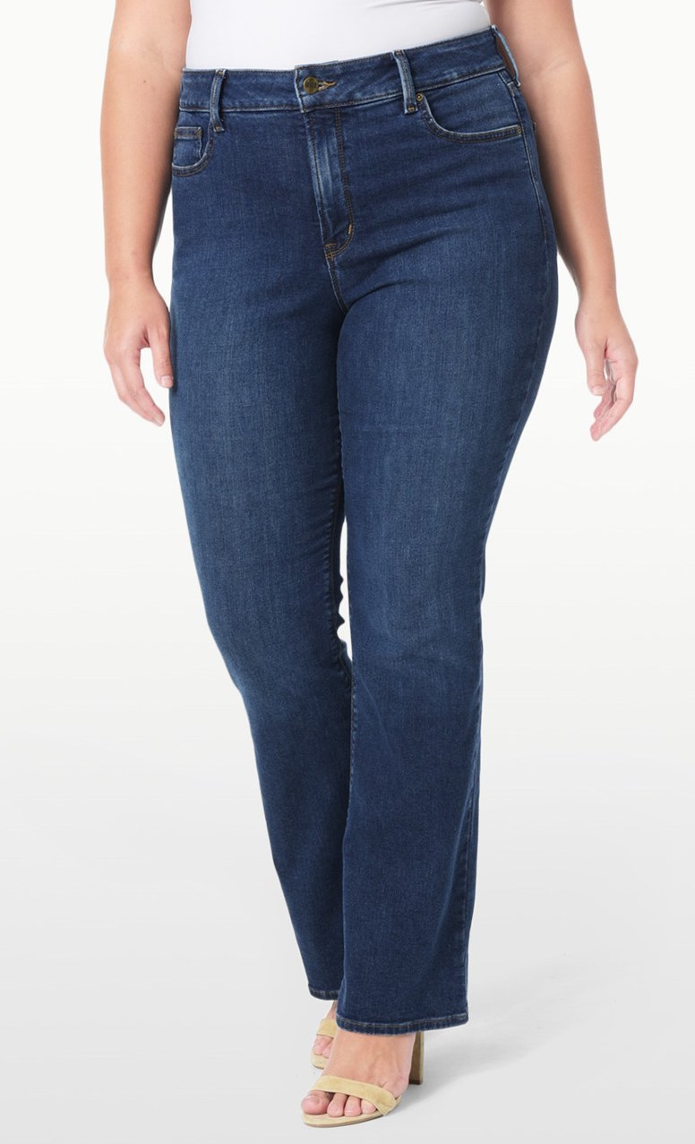 A Guide to the Best Jeans for Plus-Size Women