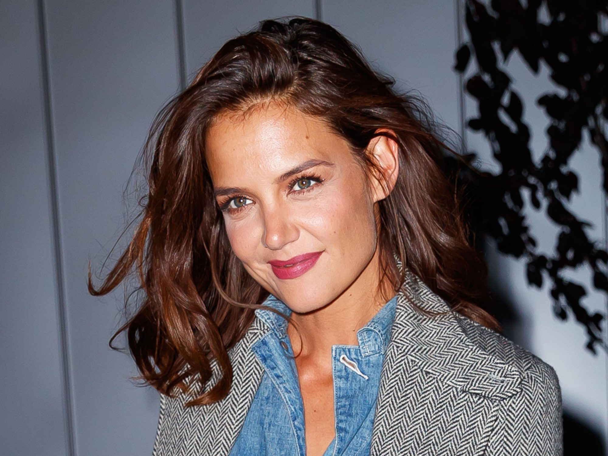 Katie Holmes Chops Off Her Hair into a Pixie Cut Again ...