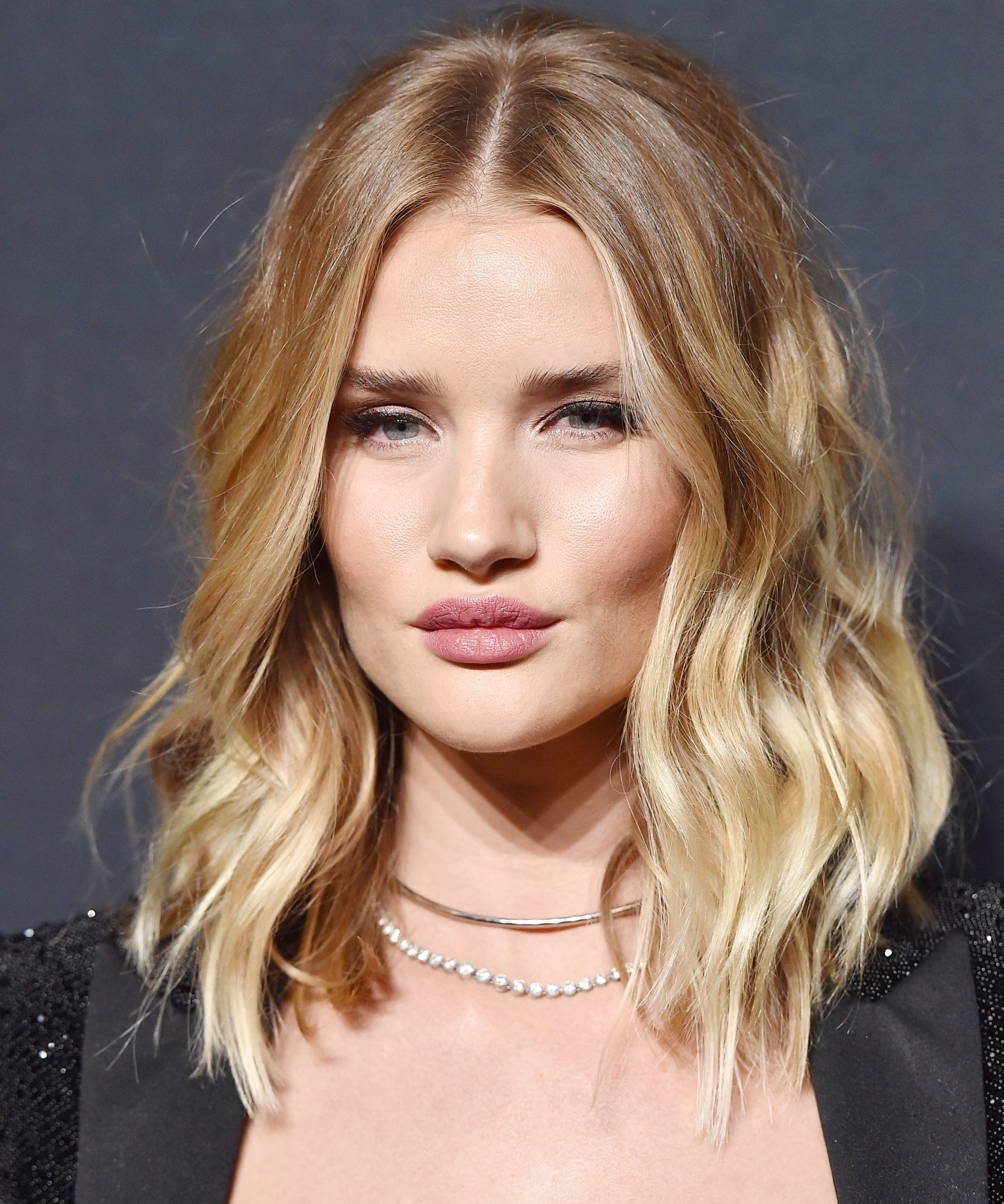 80 Sensational Medium Length Haircuts for Thick Hair ...  |Bobbed Hair For Thick