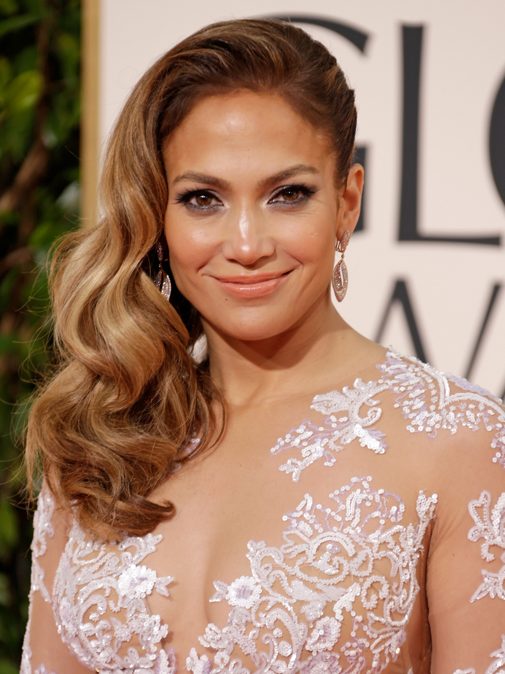 jennifer lopez hair styles s most glamorous hairstyles instyle 2133 | 110117 jennifer lopez hair embed 12