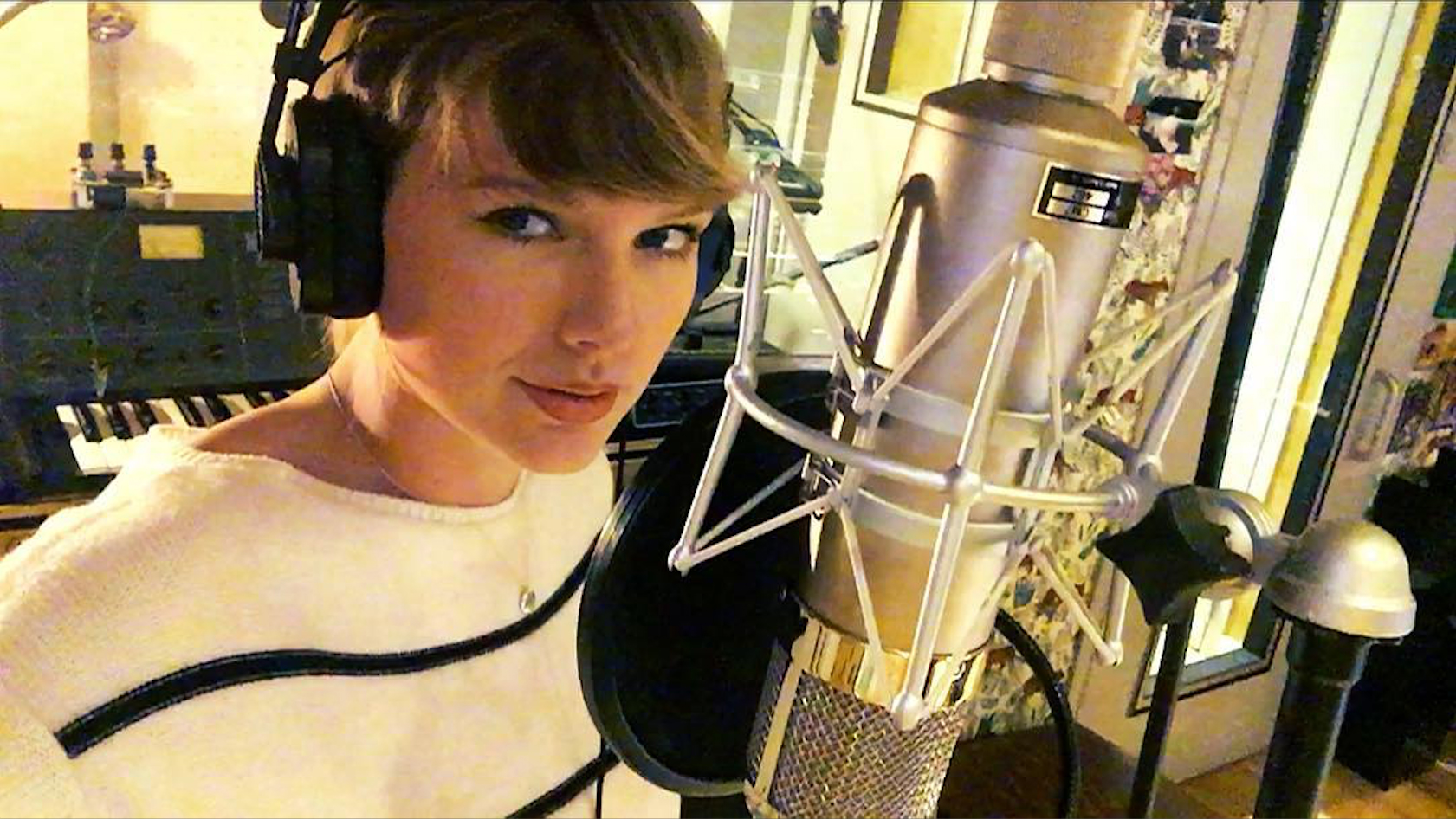 Taylor Swift Filmed Herself Writing Her New Song, and It Looks Tedious