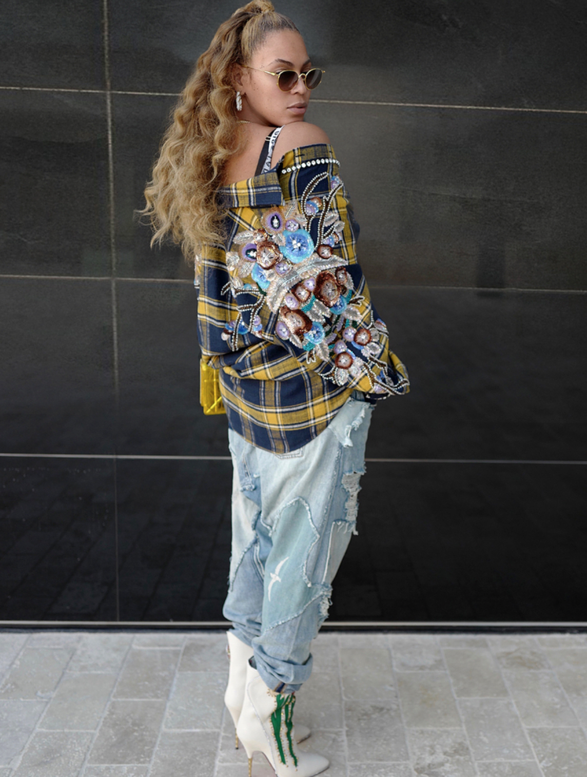 421b153d1acb8 Beyoncé Just Wore the Most Glam Flannel Shirt We ve Ever Seen ...