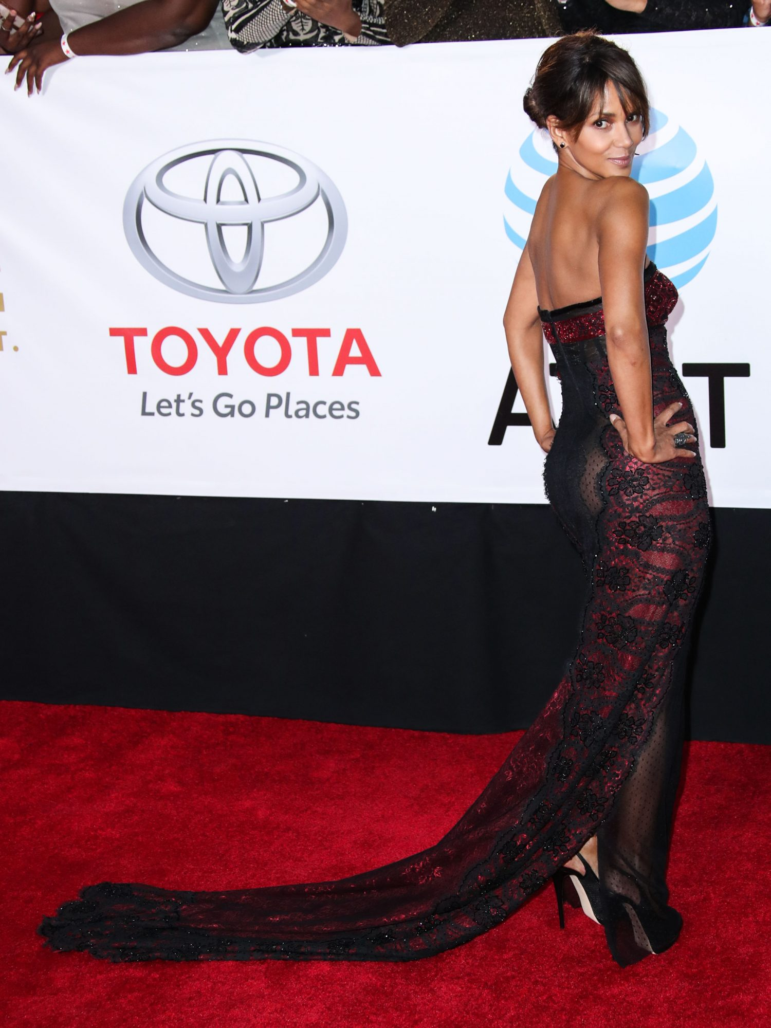 Halle Berry Wore a See-Through Gown to the NAACP Awards | InStyle.com