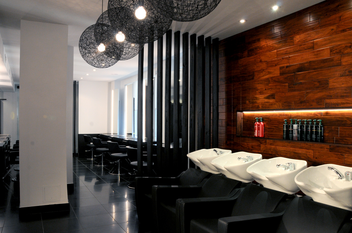 <p>Eilut Salon</p>