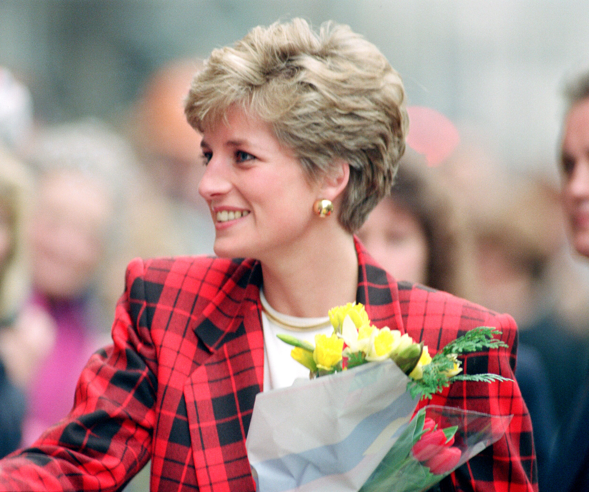 How Princess Diana's Iconic Hairdo Came To Be