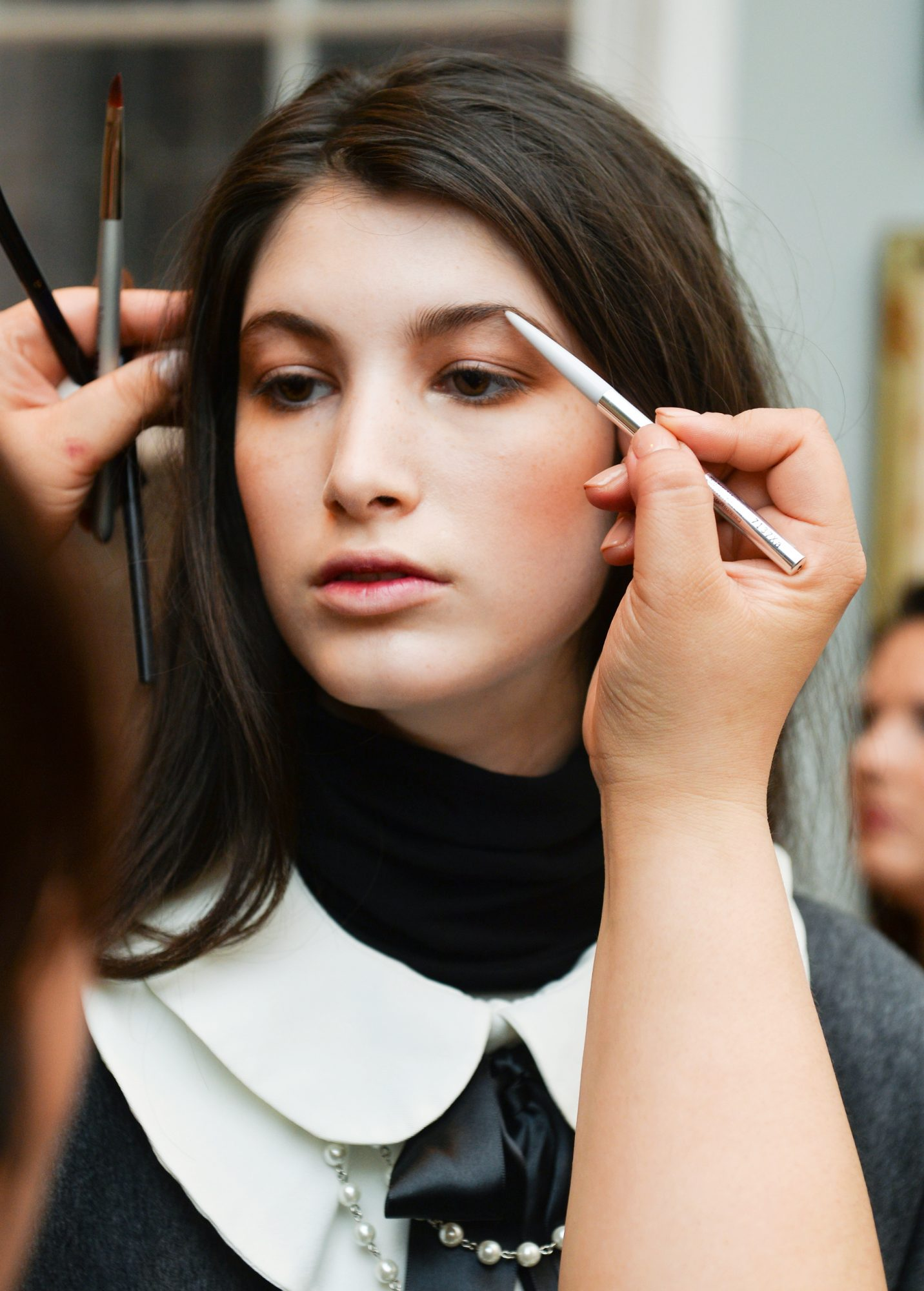 <p>How to Perfectly Arch Your Brows</p>