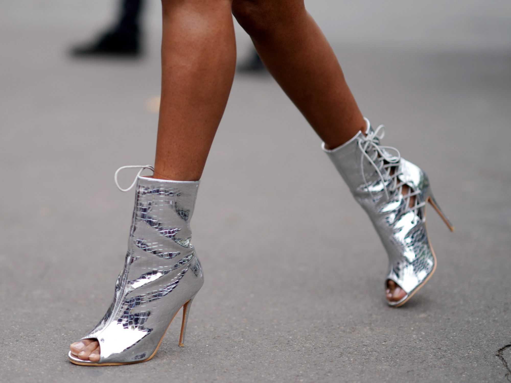 <p>Only Show Your Toes in the Spring/Summer</p>
