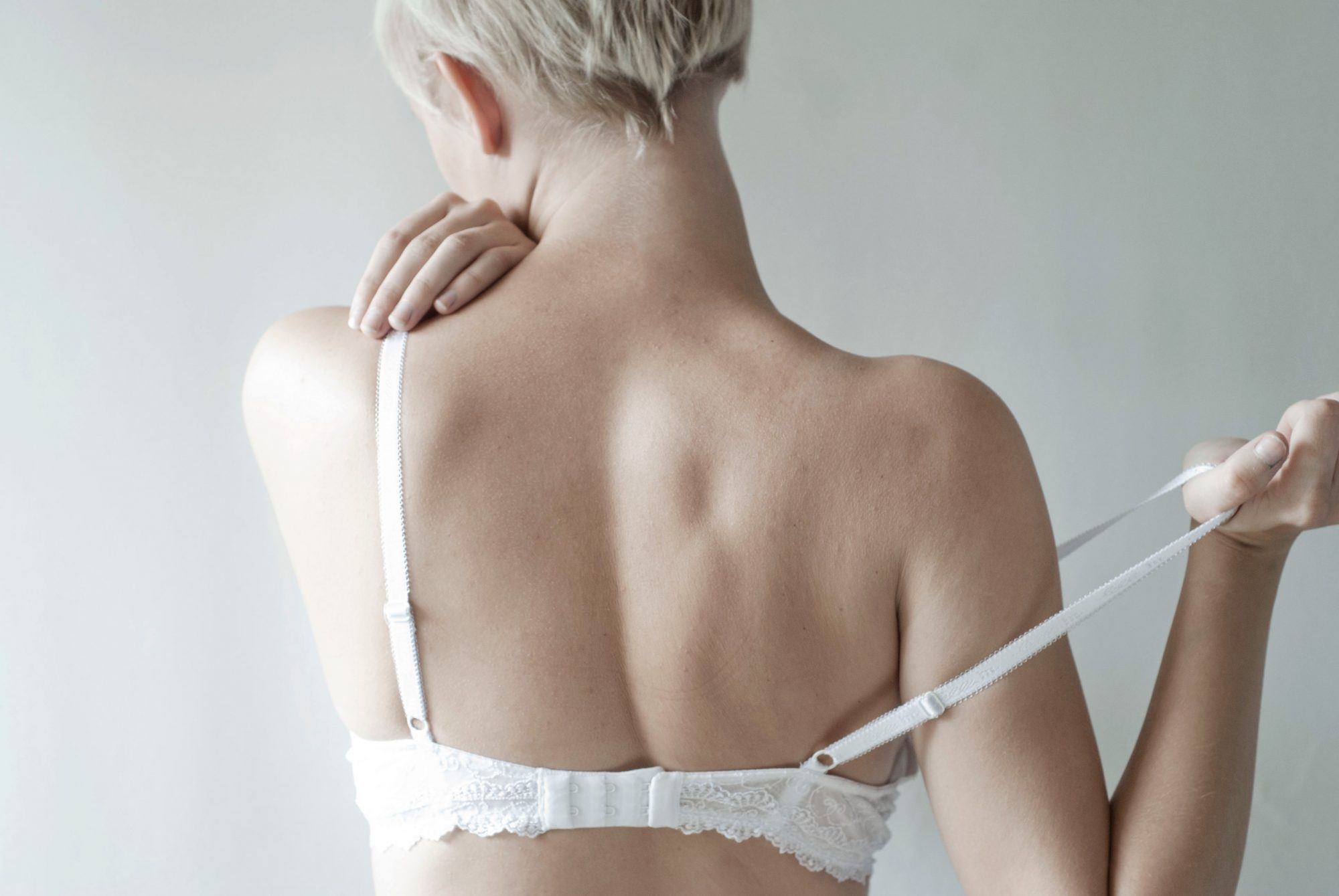 7 Things You Can and Can't Do About Saggy Breasts