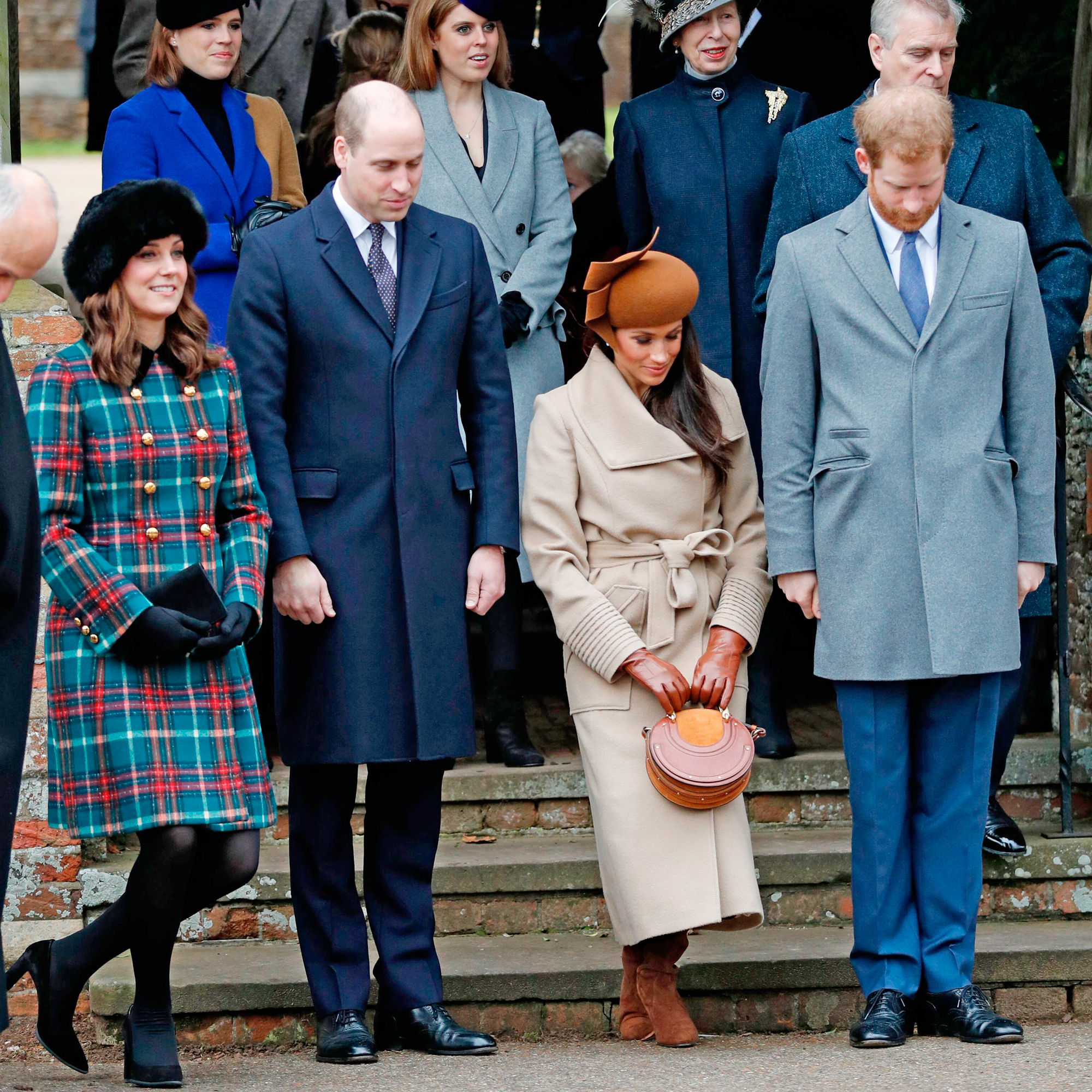 All the Royal Family's Fashion Rules and Restrictions ...