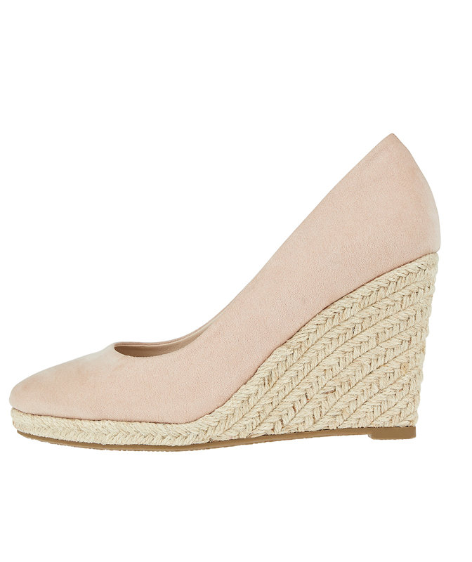 <p>Kate Middleton's Favorite Summer Shoe Is Surprisingly Affordable (And Comfortable!)</p>