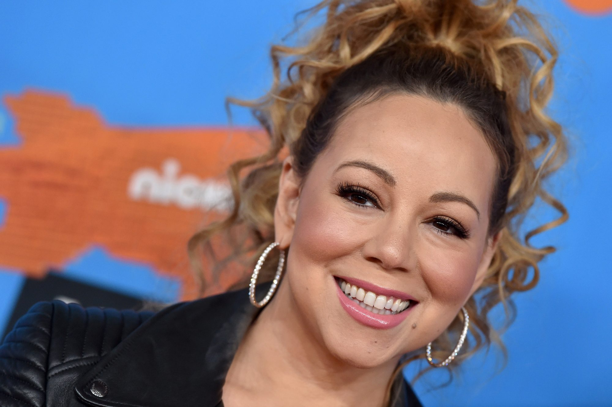Mariah Carey Only Takes Milk Baths and You Should, Too
