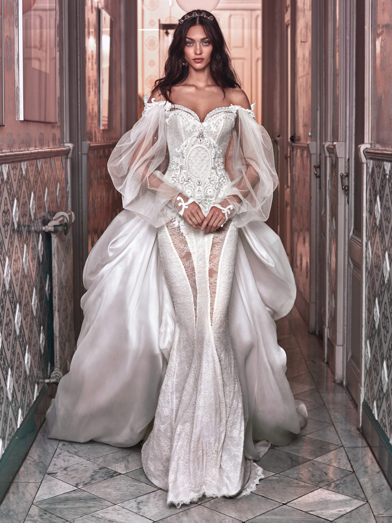 Beyoncs Vow Renewal Wedding Dress Inspired By Queen Victoria