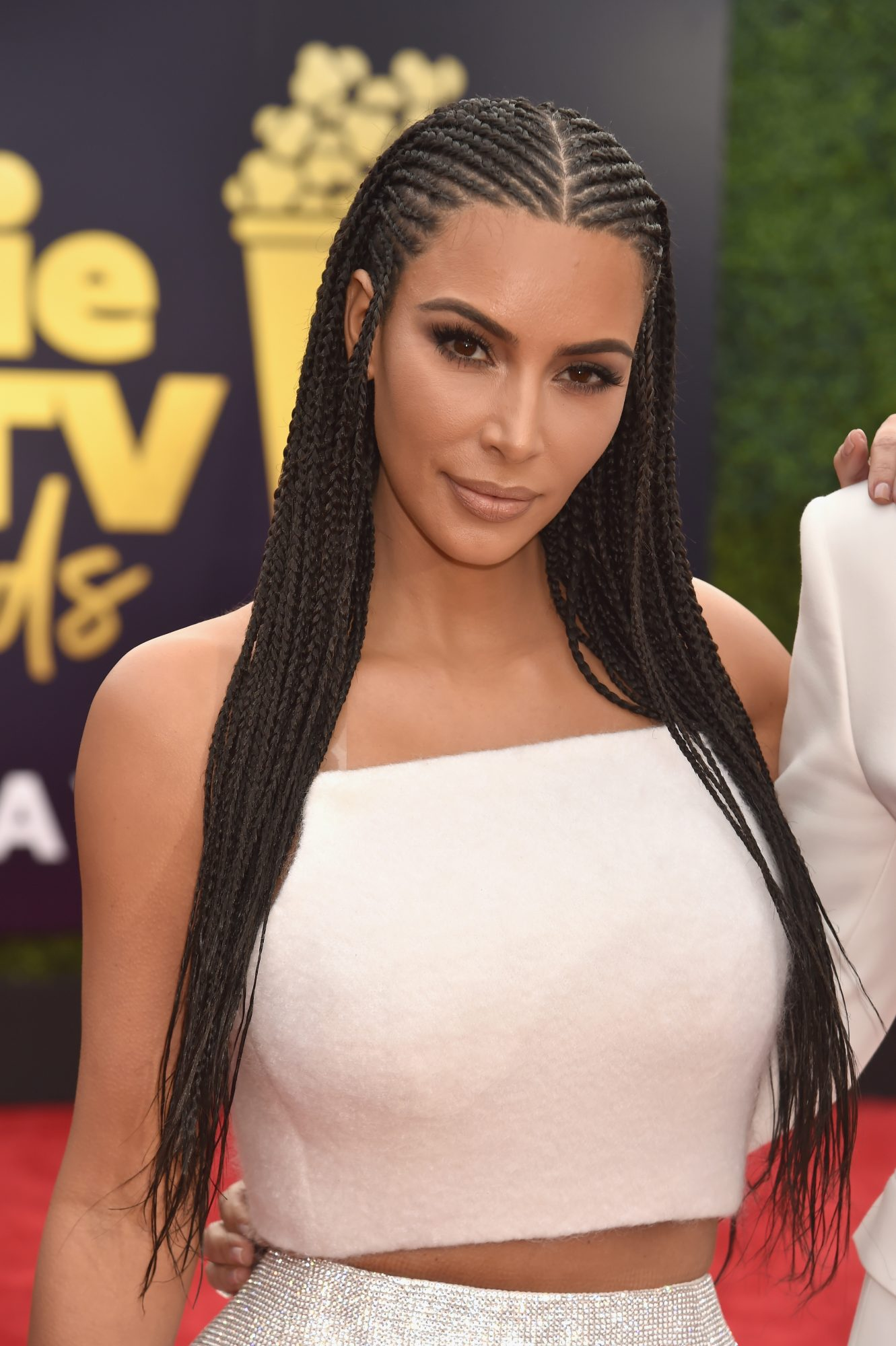Kim Kardashian Wears Hair In Controversial Braids At Mtv