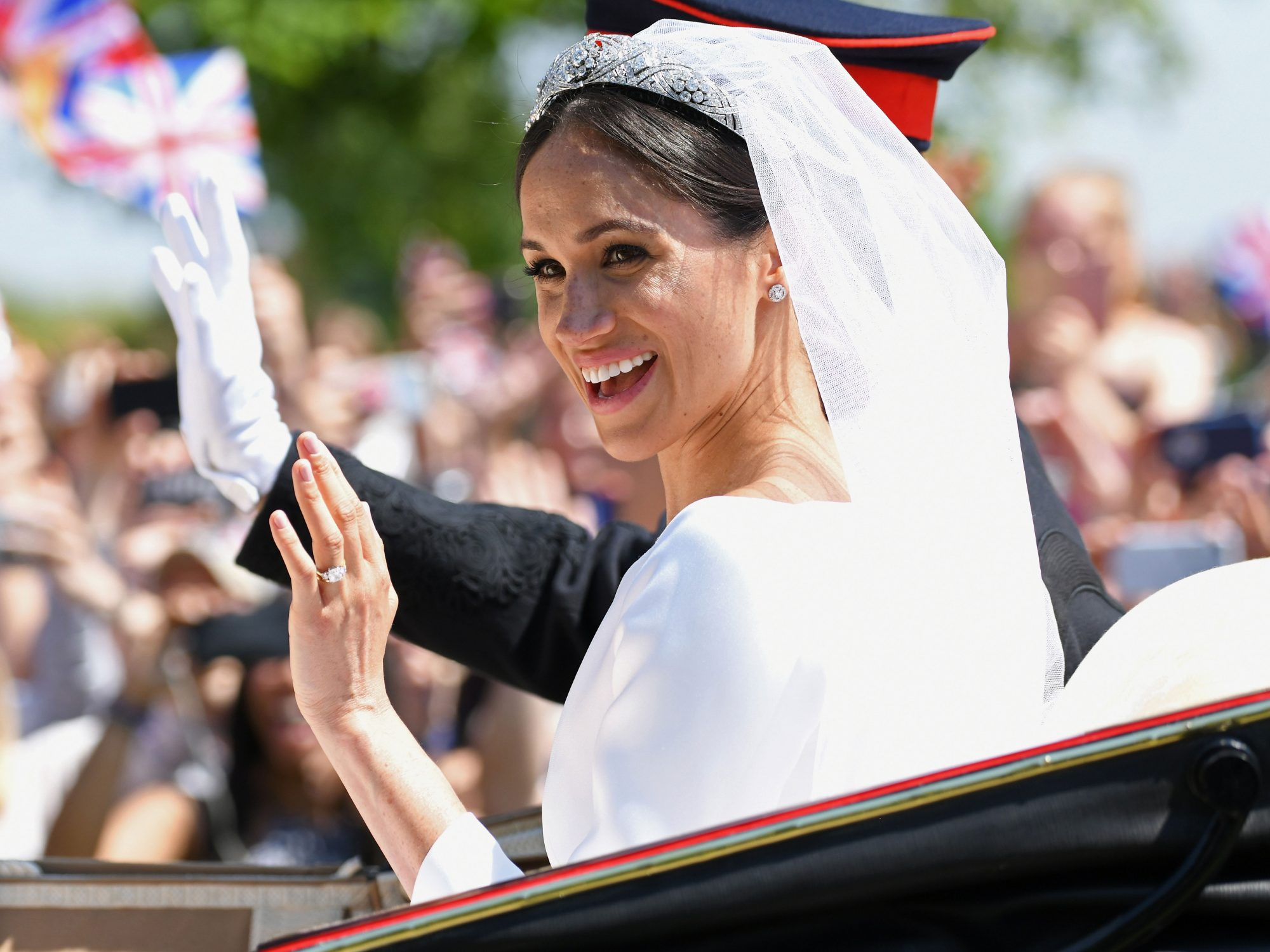 This $40 Replica of Meghan Markle's Wedding Tiara Actually Looks Like the Real Thing