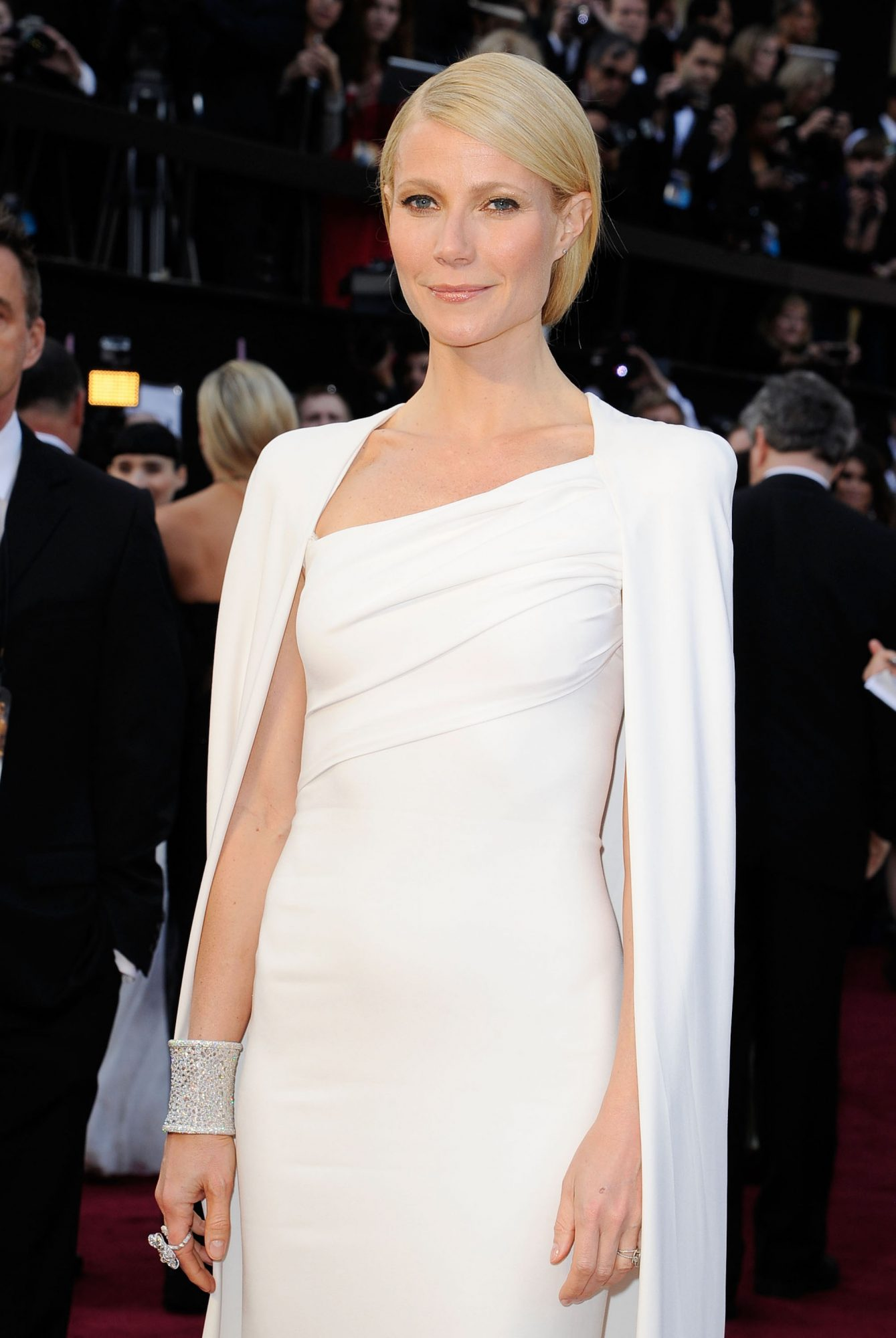 We Finally Have Photos of Gwyneth Paltrow's Valentino Wedding Gown, and They're Everything