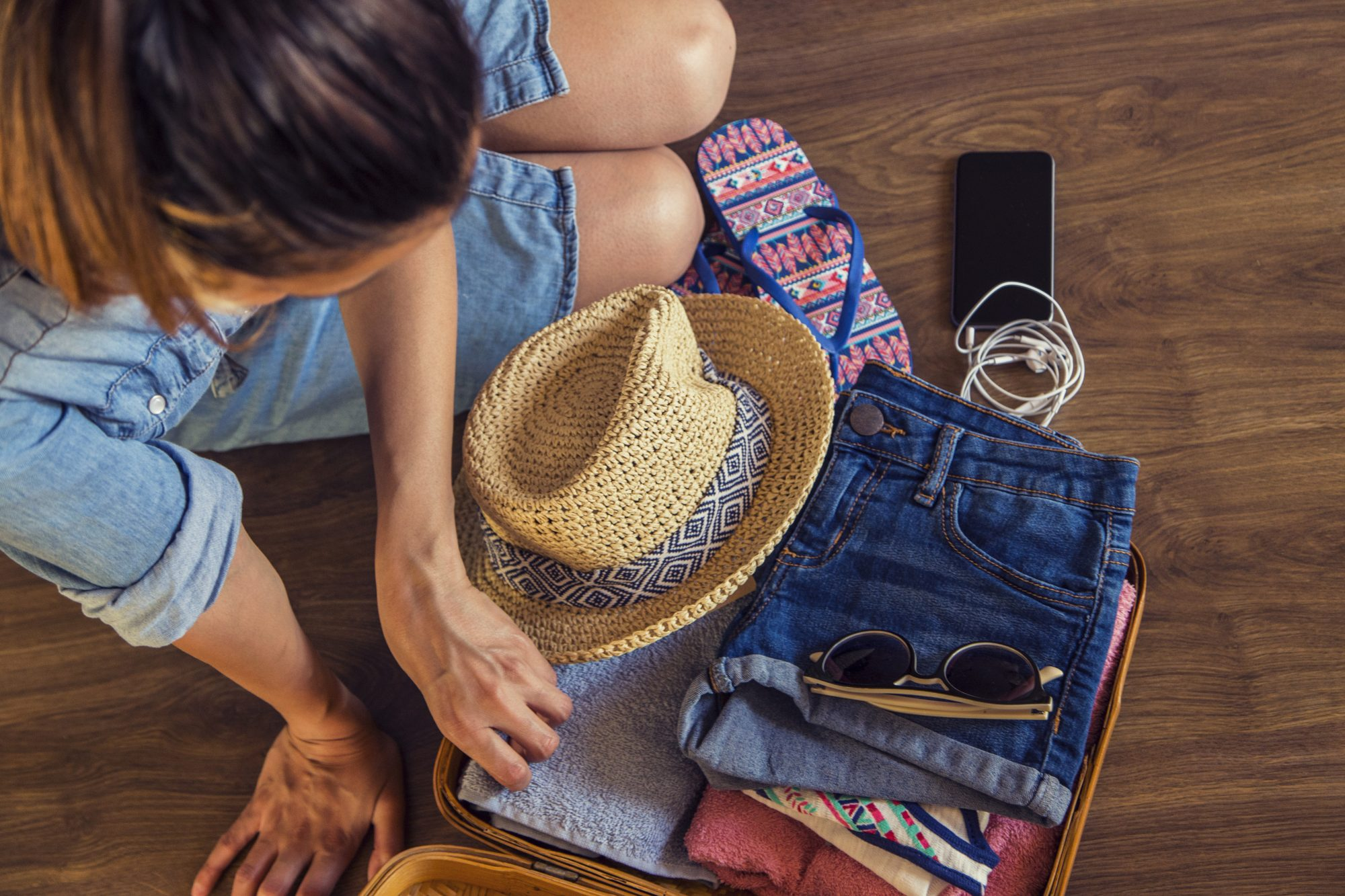 You Only Need to Pack These 10 Pieces to Get Unlimited Outfits During Your Next Trip