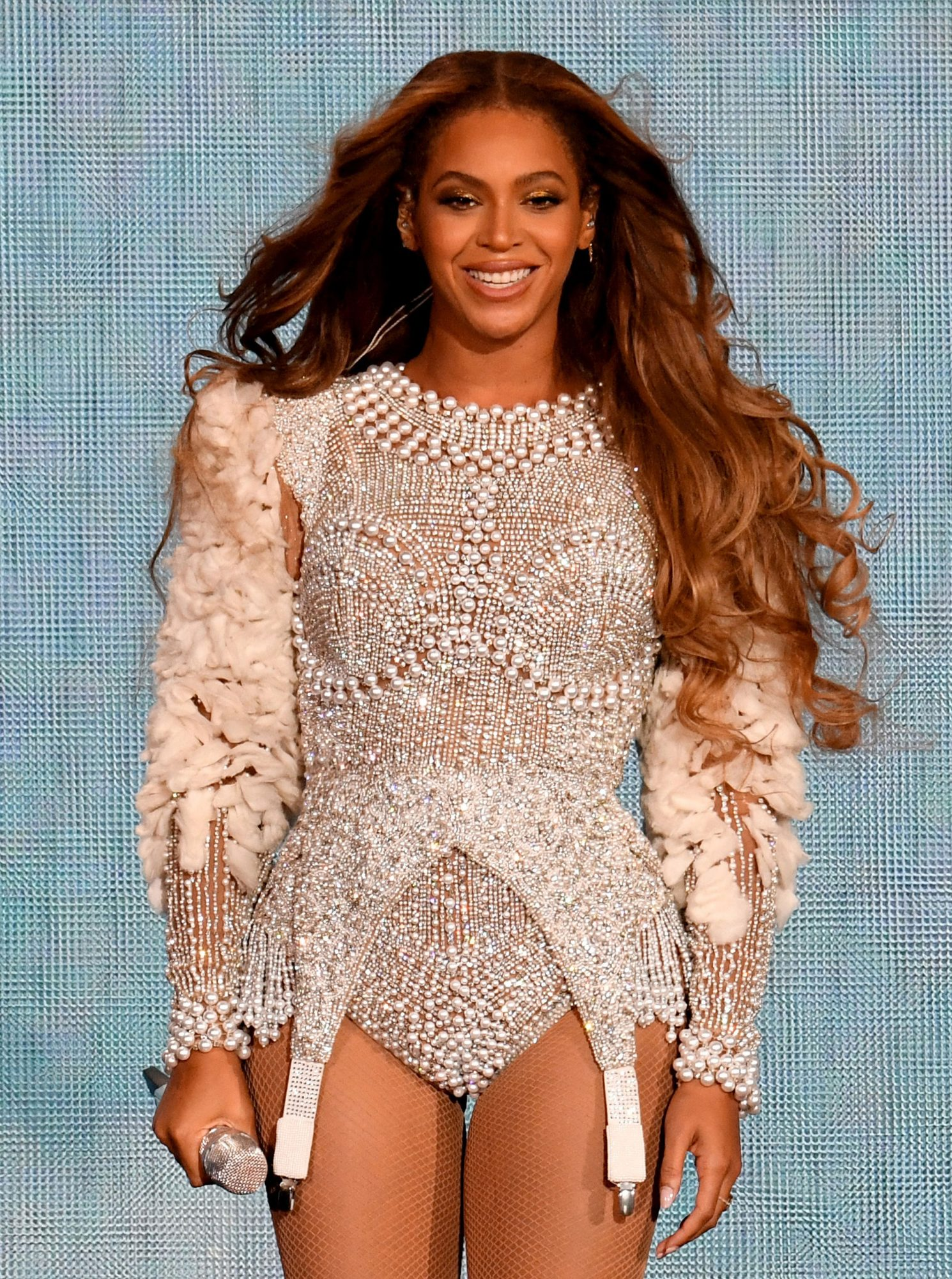 Beyoncé's Dramatic New Hair Color Will Be Your Favorite Winter Shade
