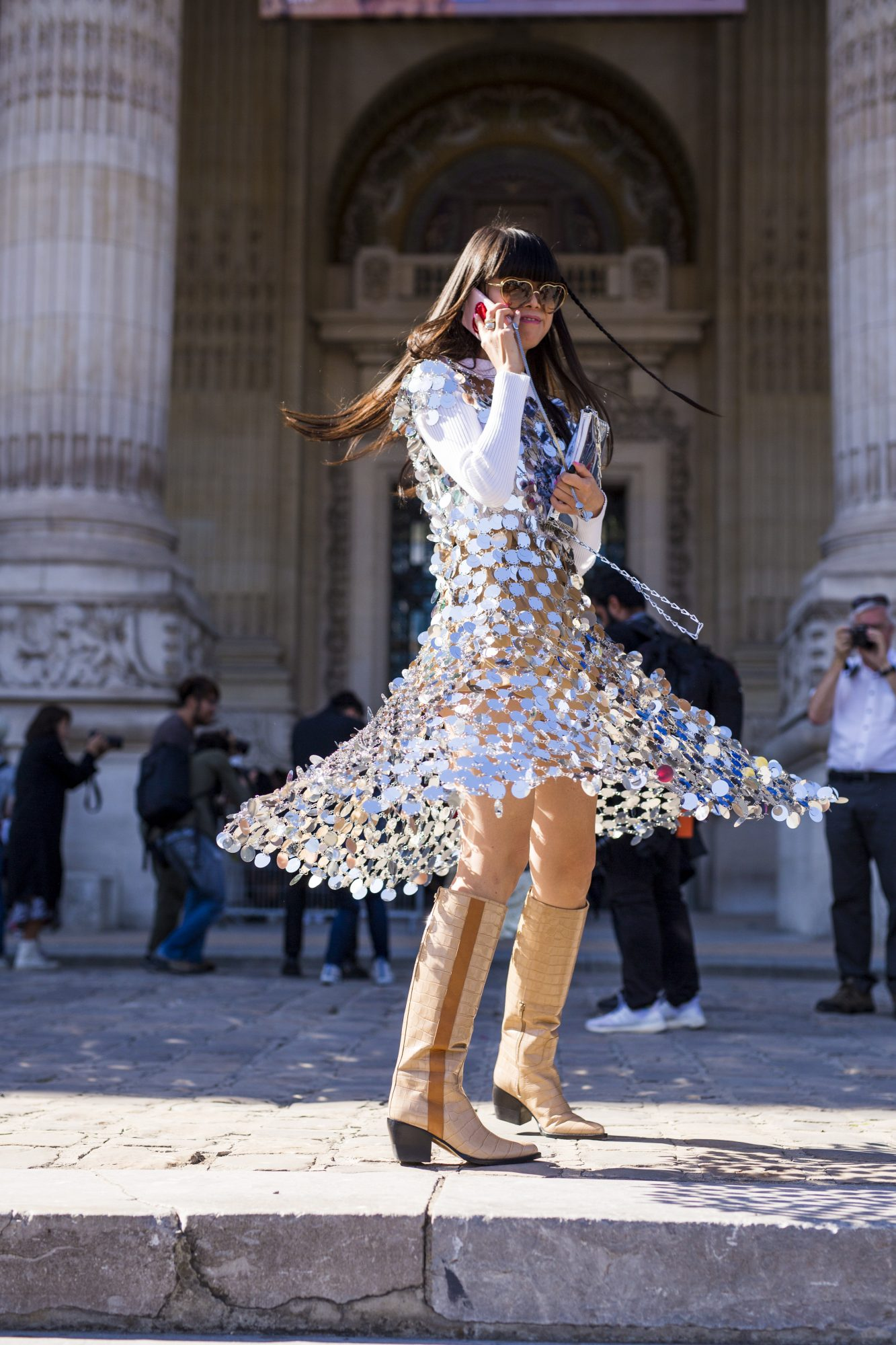 Street Style : Paris Fashion Week Womenswear Spring/Summer 2019 : Day Four