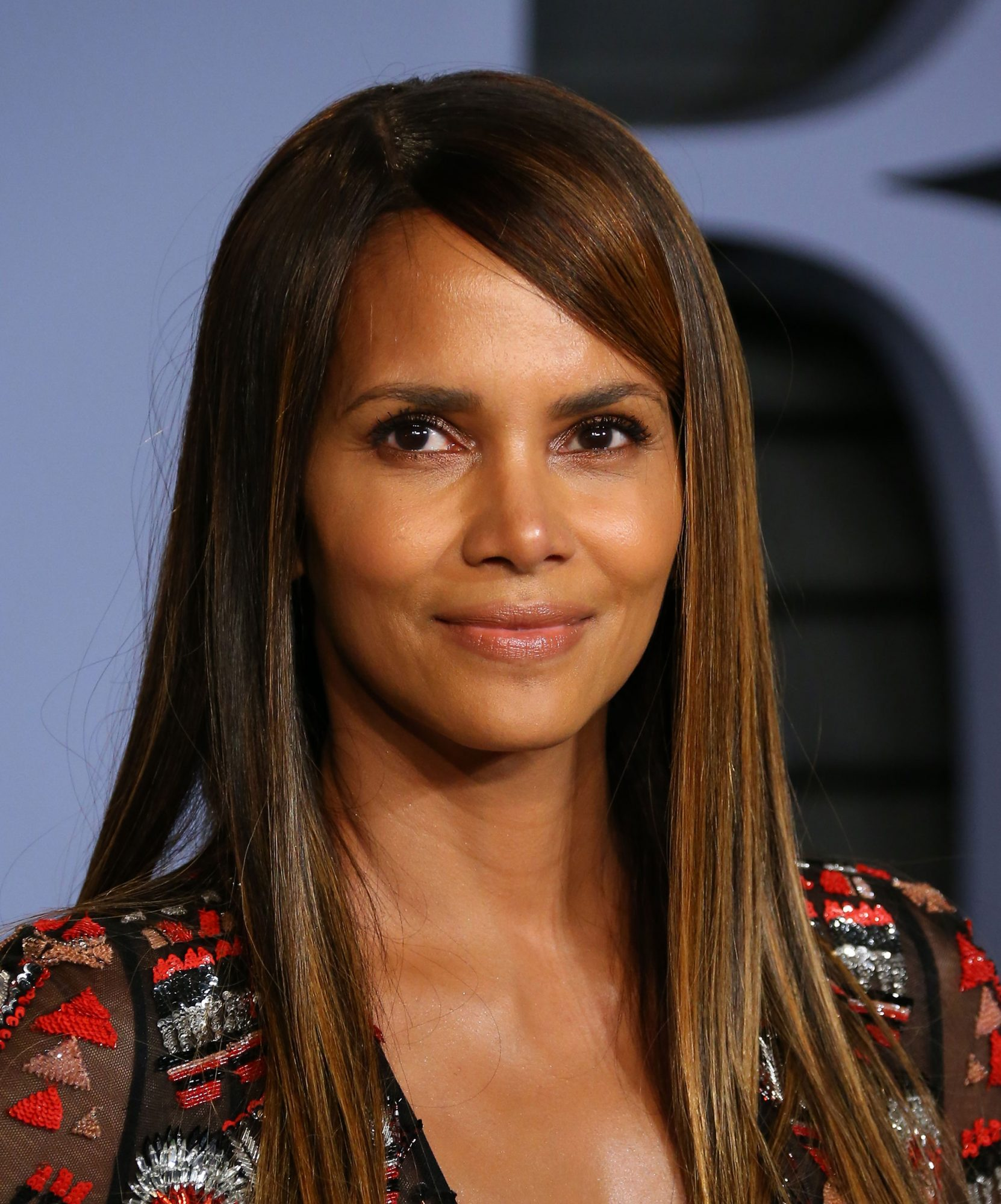 The 8 Abs Exercises Halle Berry Does for a Killer Core