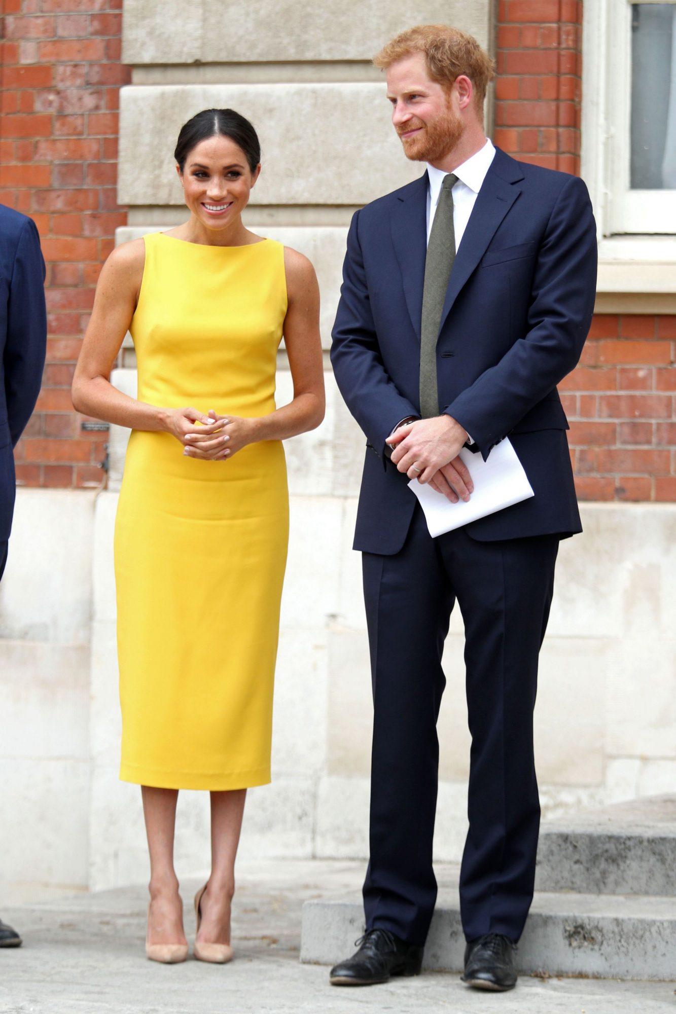 Meghan outfit embed
