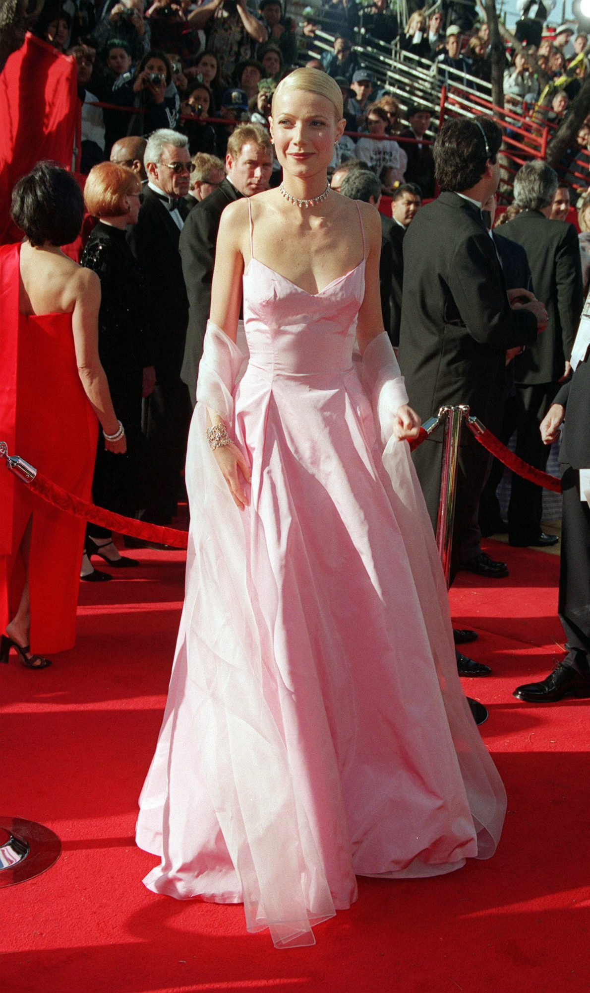 Gwyneth Paltrow's Pretty in Pink Oscars Gown Is Still Major