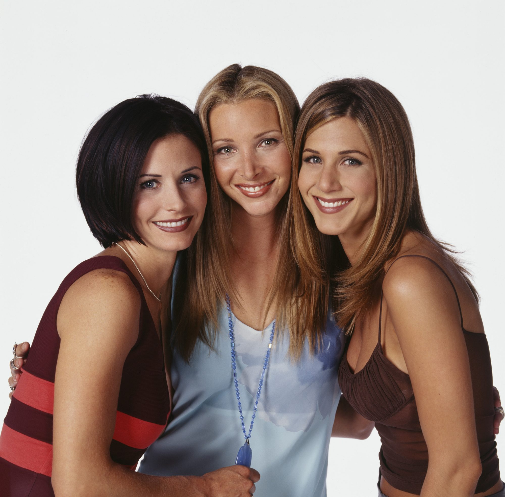 "Lisa Kudrow Felt Like a ""Mountain of a Woman"" Next to <em>Friends</em> Co-Stars Jennifer Aniston and Courteney Cox"