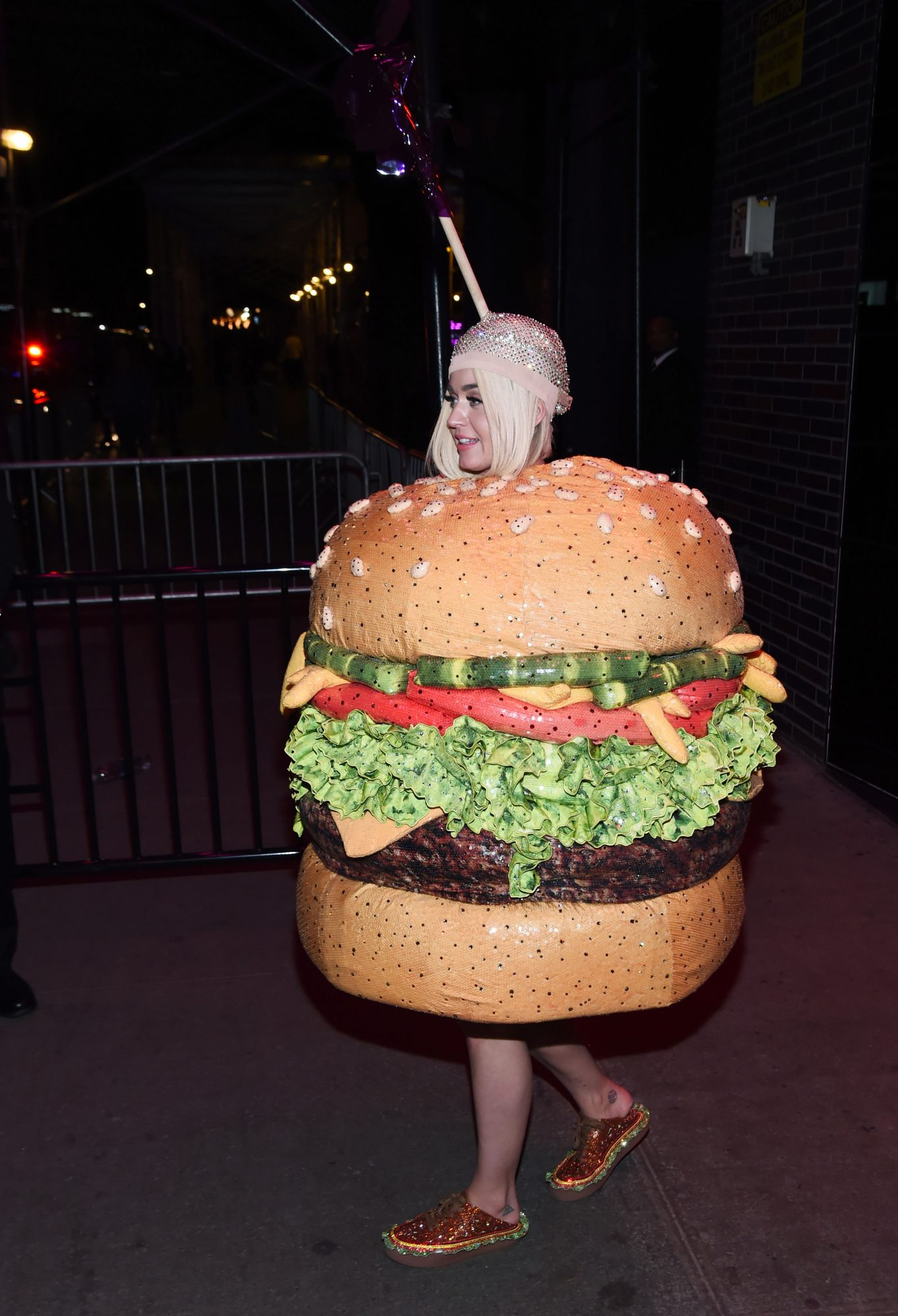 Jennifer Lopez Is the Best Part of This Video of Katy Perry Turning into a Hamburger at the Met Gala