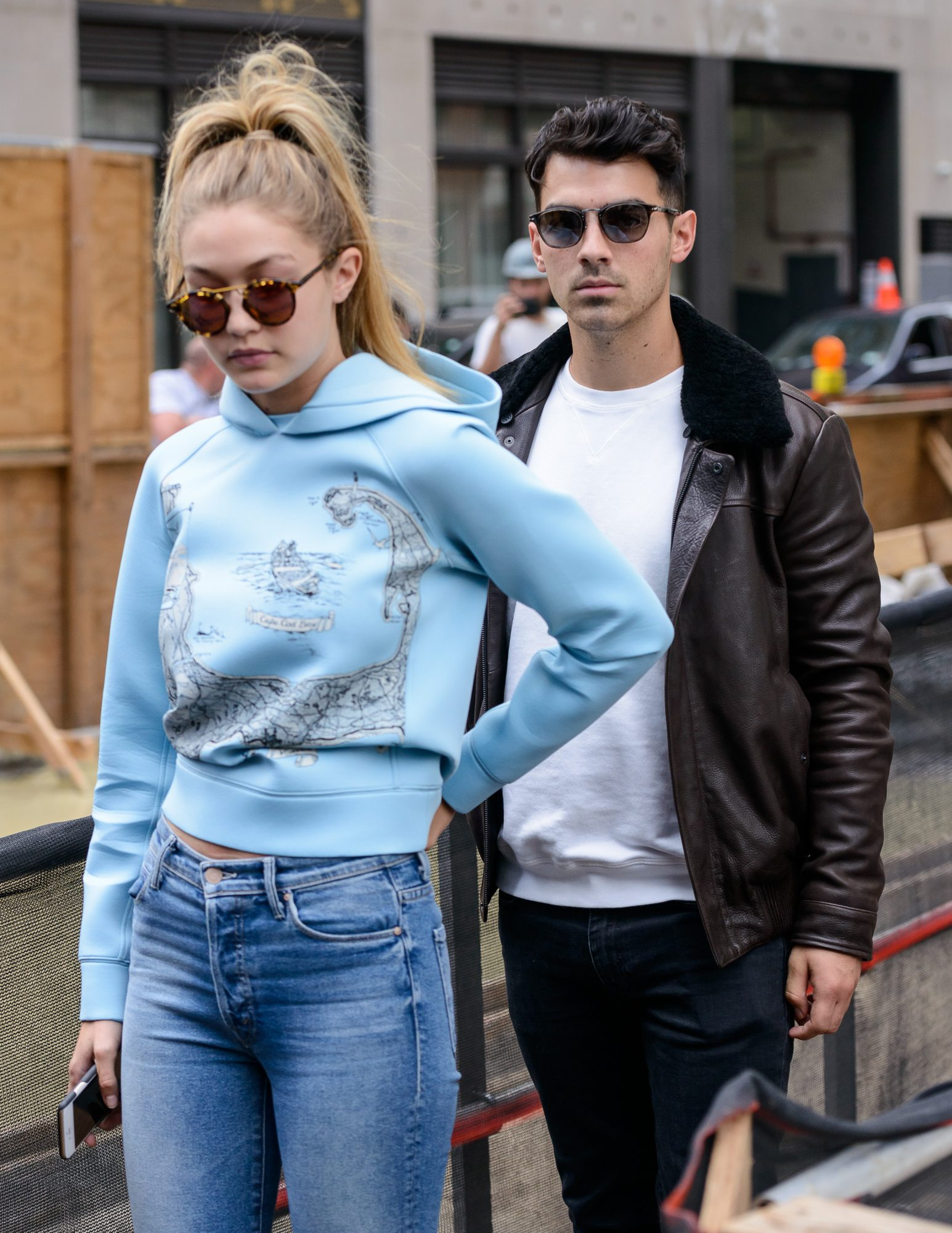 Sophie Turner and Joe Jonas Kissing in Paris