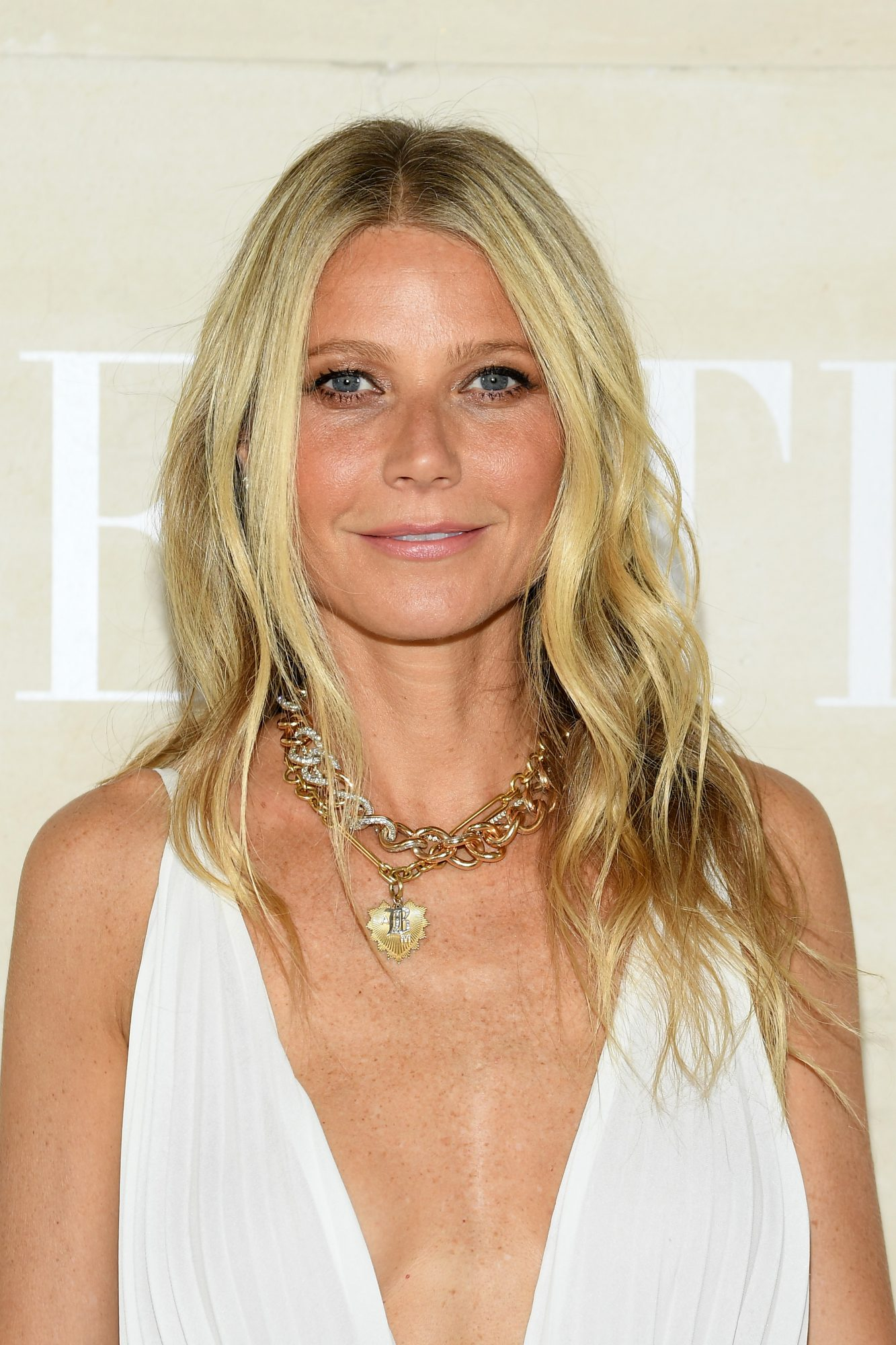 Gwyneth Paltrow Gave off Grecian Goddess Vibes in a Plunging White Gown
