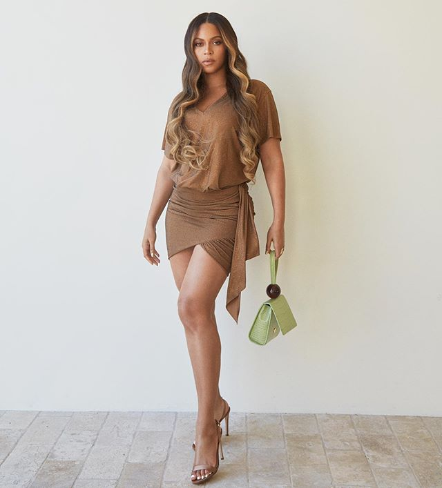 Beyonce Carries By Far Bag